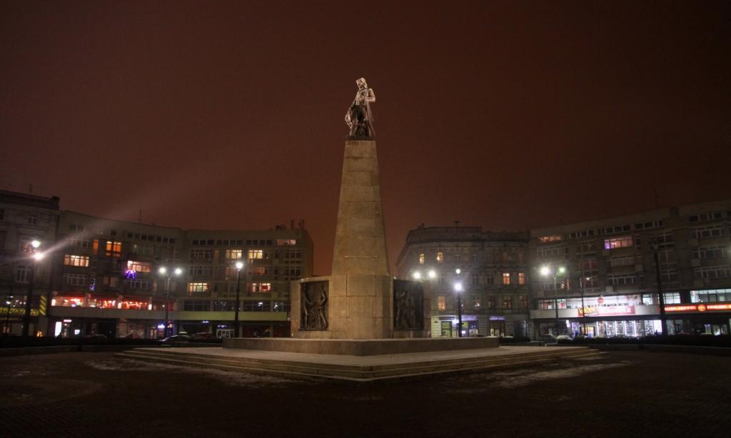 Lodz Kosciuszko Wolności night.jpg