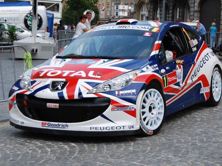 Peugeot 207 Super 2000 von Kris Meeke 2009