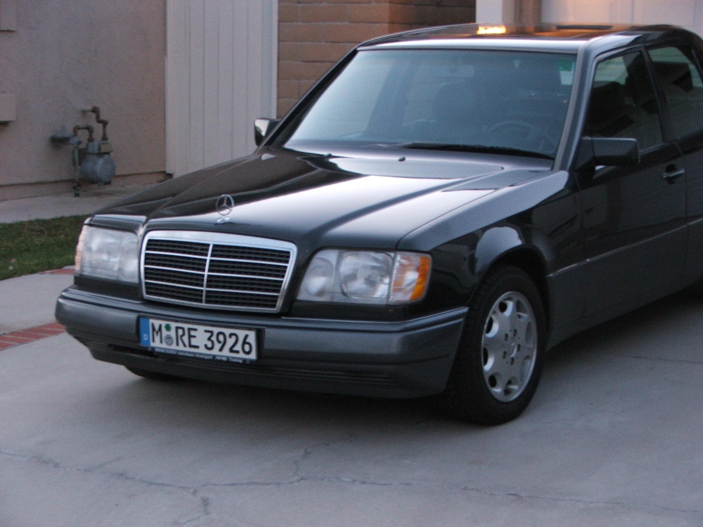 Mercedes Benz W210 moreover Dosya Mercedes W124 Mopf II schwarz additionally Diy Oil Filter Change For A Mercedes W123 Ehow together with Mercedes Benz W124 additionally File 1990 1993 Mercedes Benz 230 E  W124  sedan 03. on benz w124 wiki