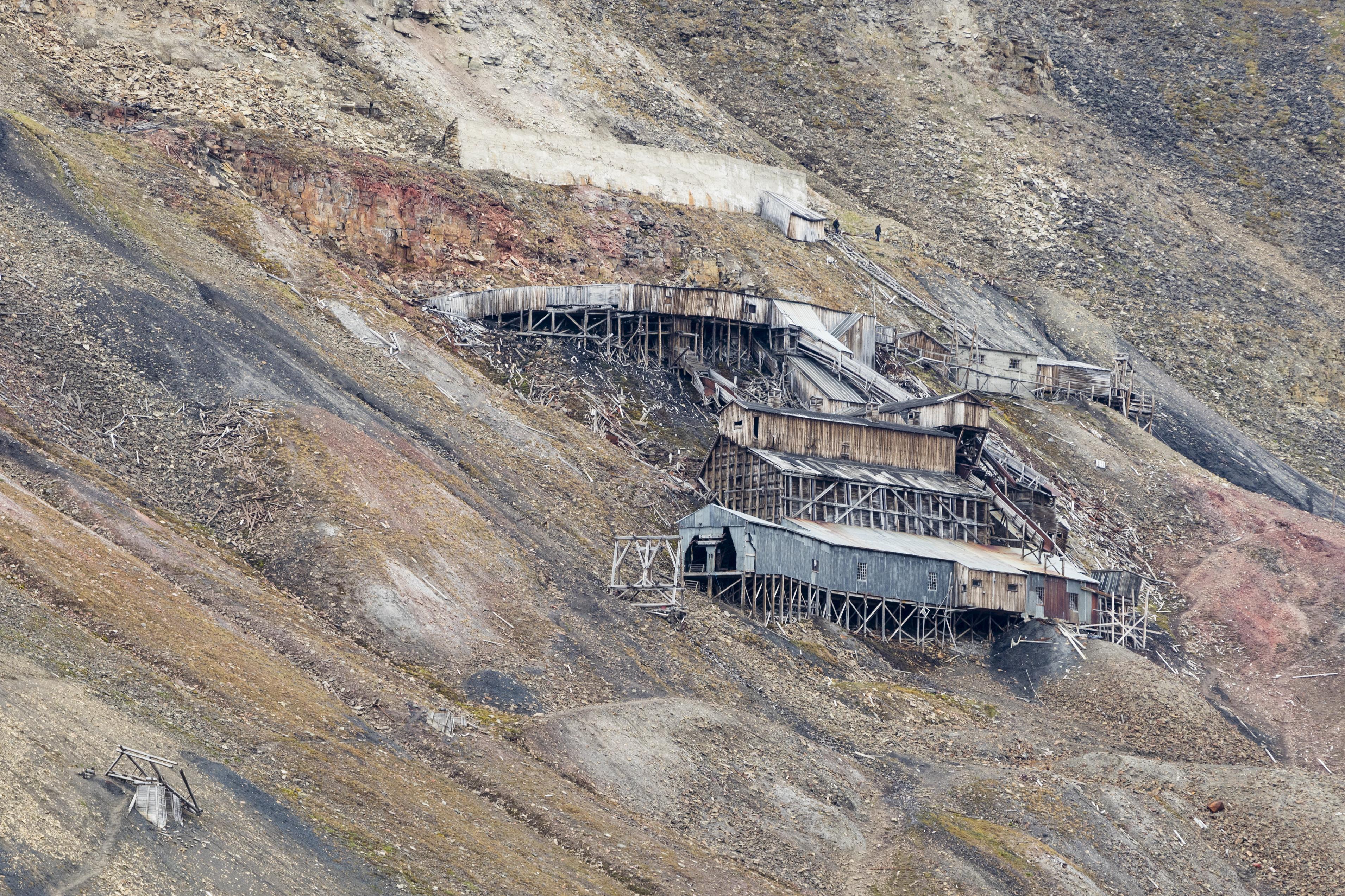 File:NOR-2016-Svalbard-Longyearbyen-No 2b Mine 02.jpg - Wikimedia Commons
