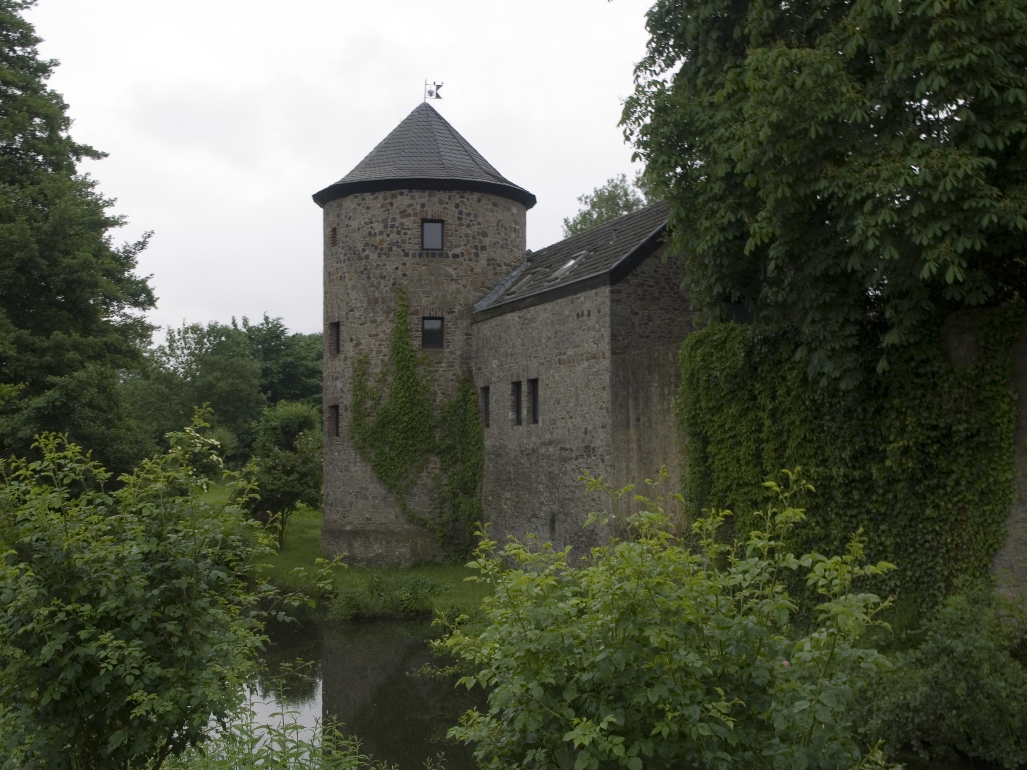 Файл NRW Ratingen Haus zum Haus 03 — Википедия