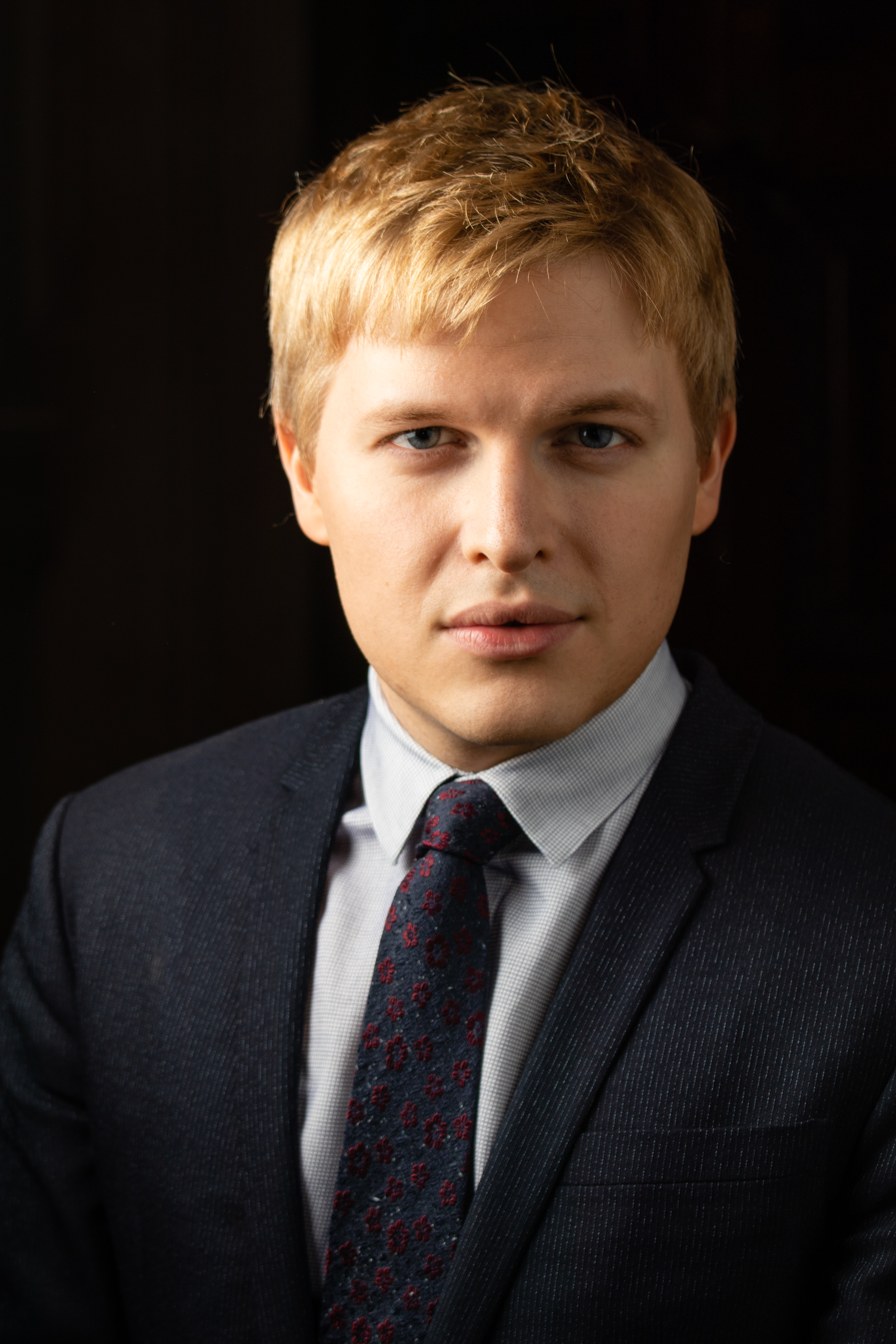 The 30-year old son of father Woody Allen and mother Mia Farrow Ronan Farrow in 2018 photo. Ronan Farrow earned a  million dollar salary - leaving the net worth at 4 million in 2018