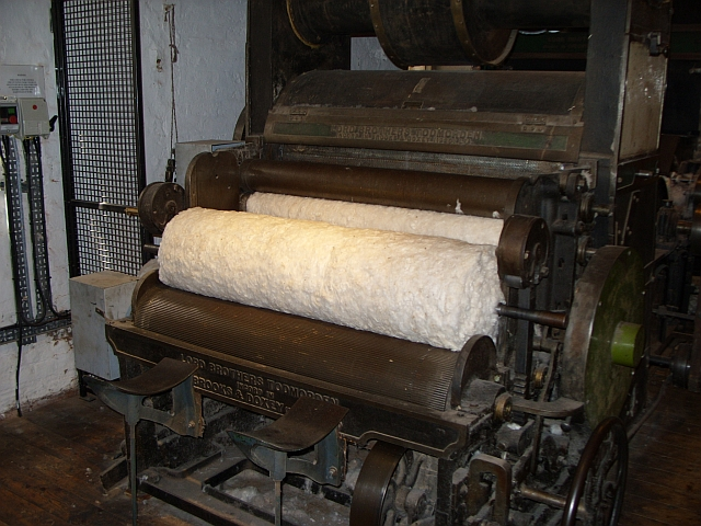 Image:Restored carding machine at Quarry Bank Mill.jpg