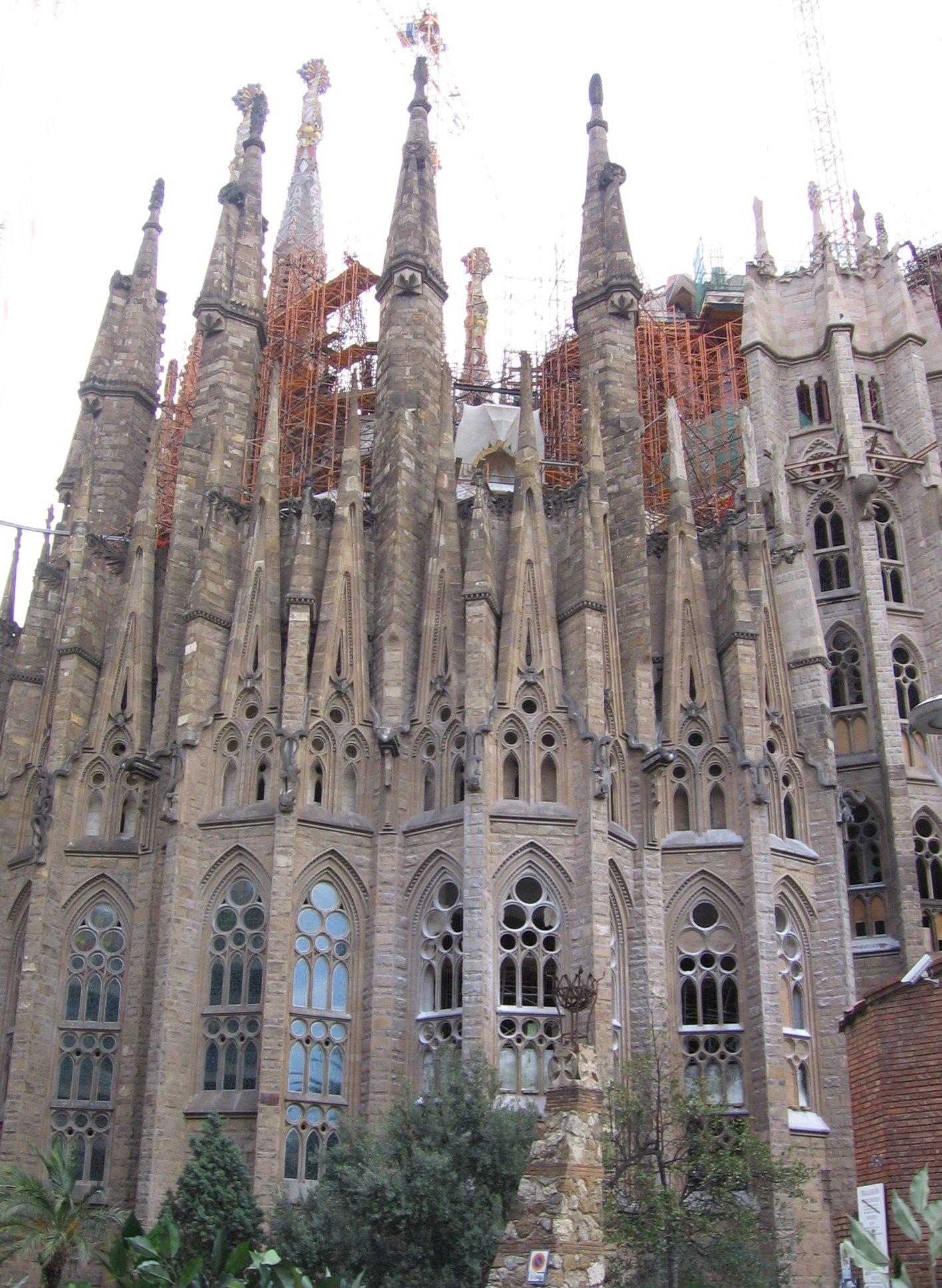 Barcelona de gaud sagrada fam lia a menos convencional for De la sagrada familia