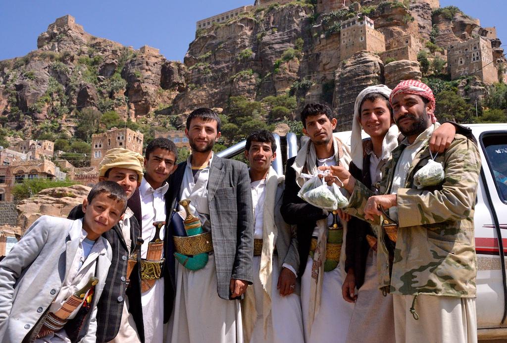 Tribesmen, Yemen (16240674572).jpg