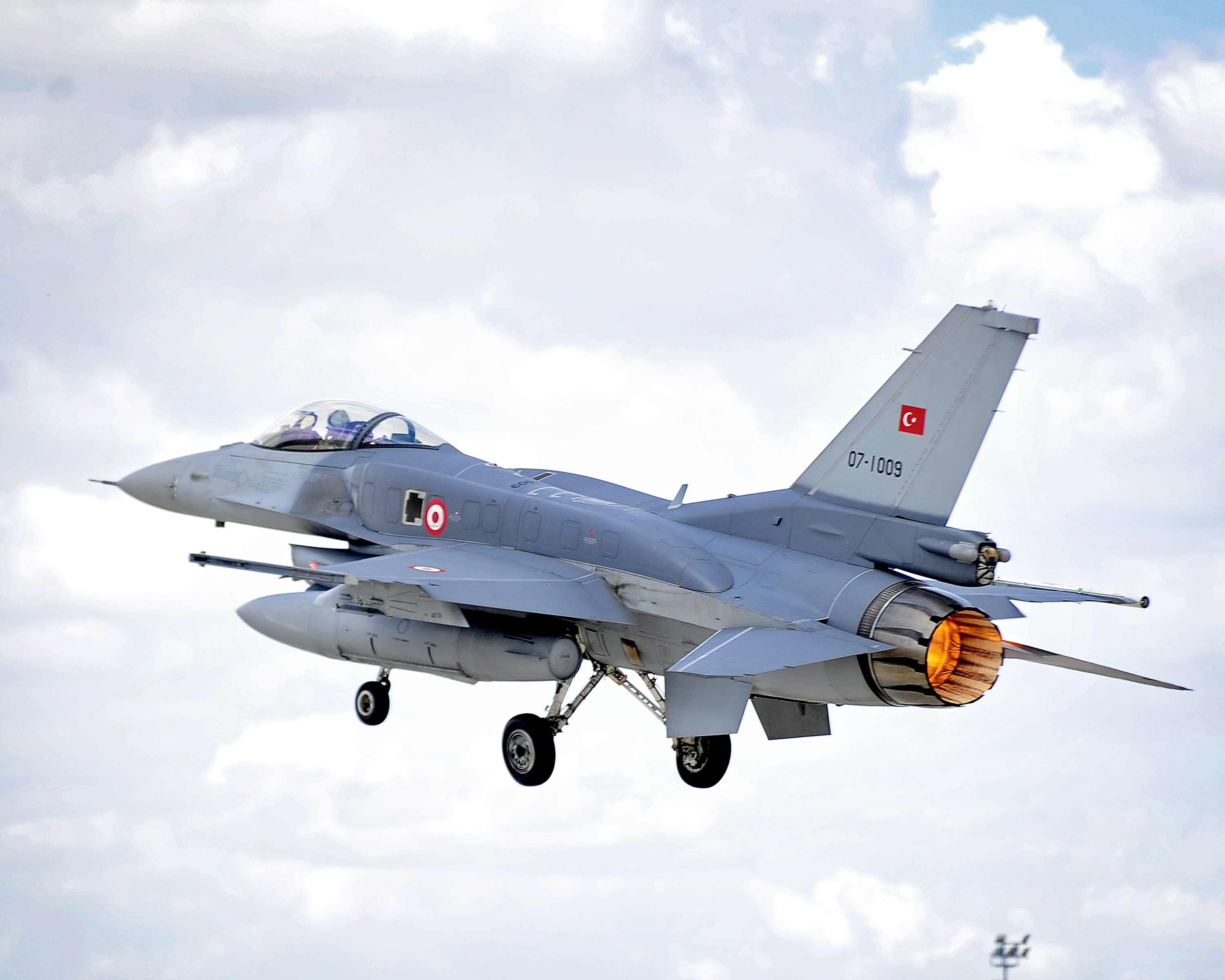 Turkish Armed Forces Photos and Videos - Page 2 Turkish_Air_Force_F-16C_Block_50_MOD_45157793