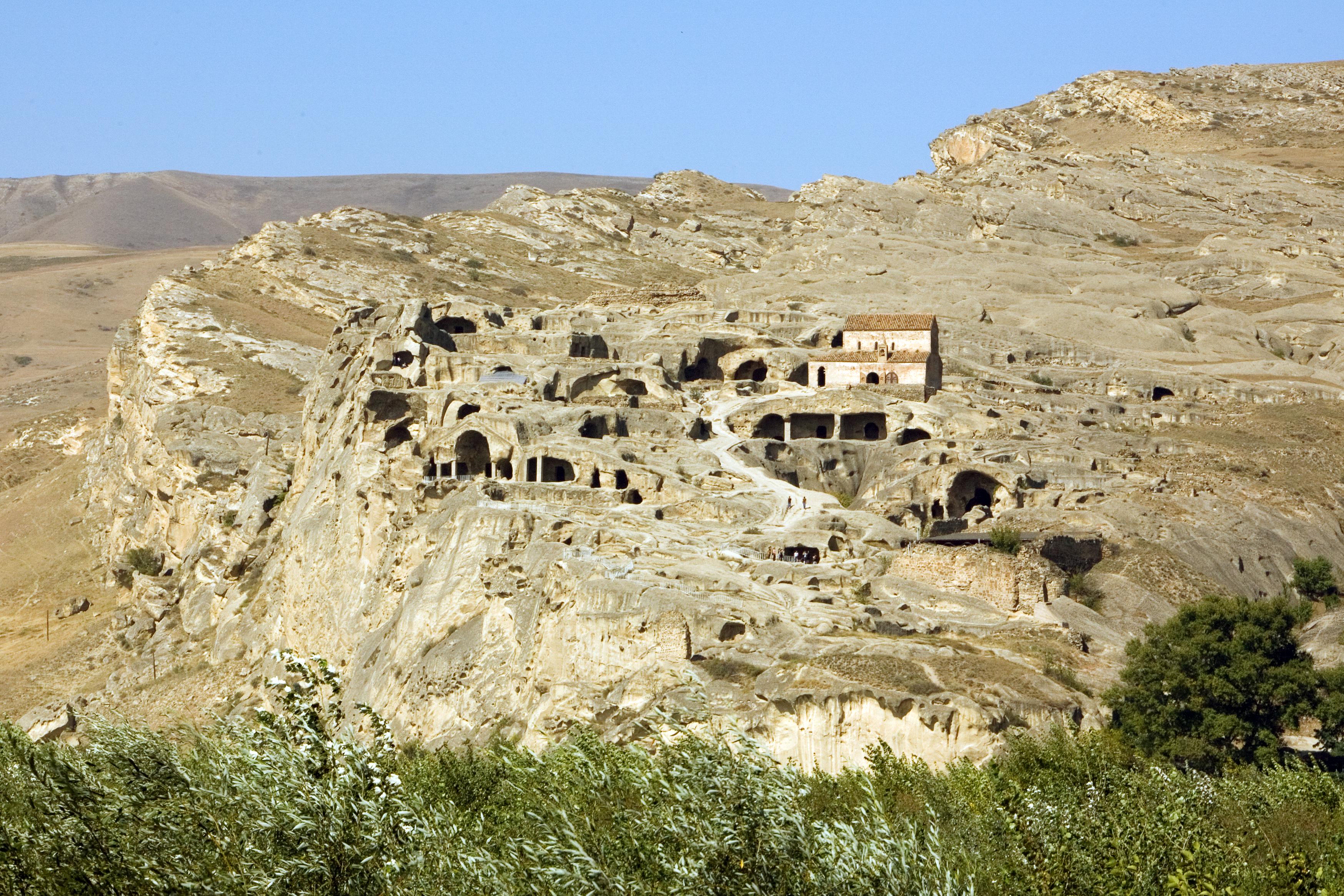 Ciudad de Uplistsikhe tallada en roca (s. VI a.C.)
