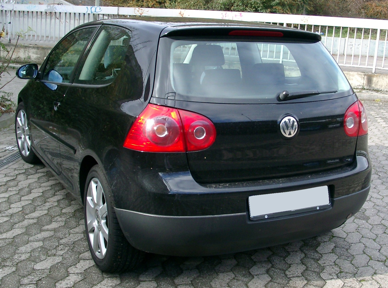 file vw golf v rear wikimedia commons. Black Bedroom Furniture Sets. Home Design Ideas