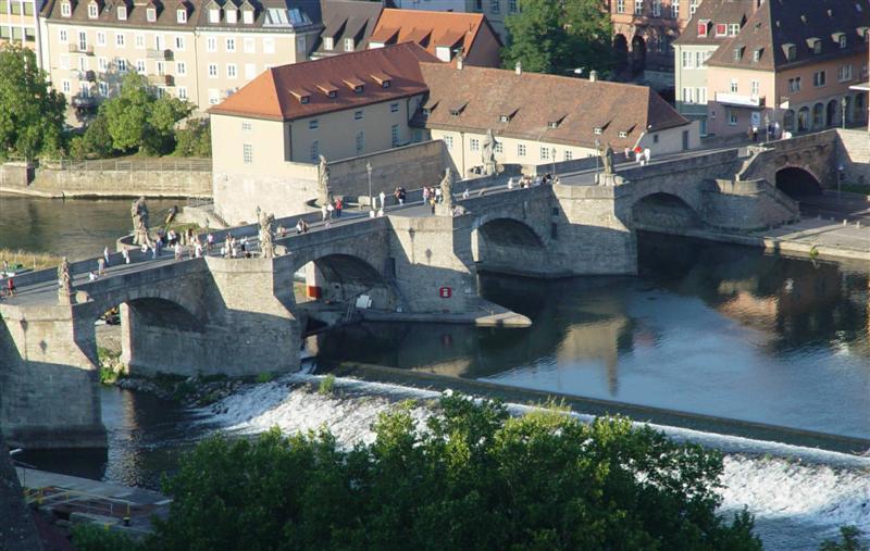 Würzburg Alte Mainbrücke.jpg