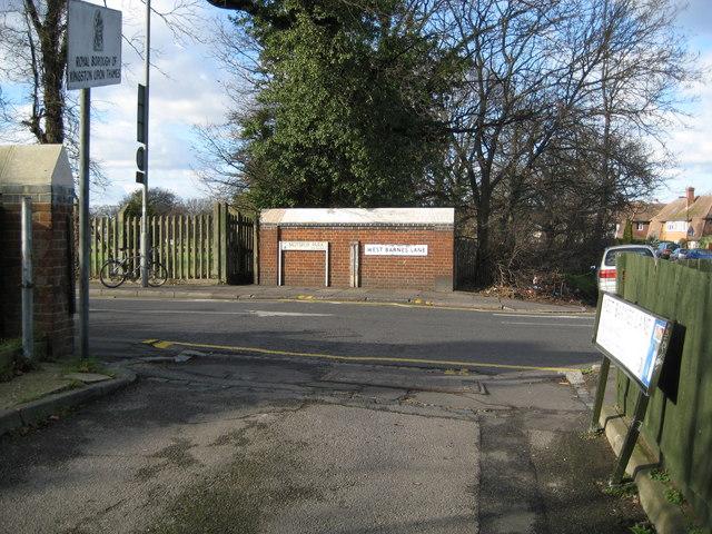 West Barnes, West Barnes Lane and Motspur Park - geograph.org.uk - 689530