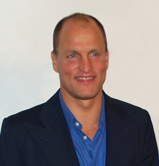 The 55-year old son of father Charles Voyde Harrelson  and mother Diane Lou , 178 cm tall Woody Harrelson in 2017 photo