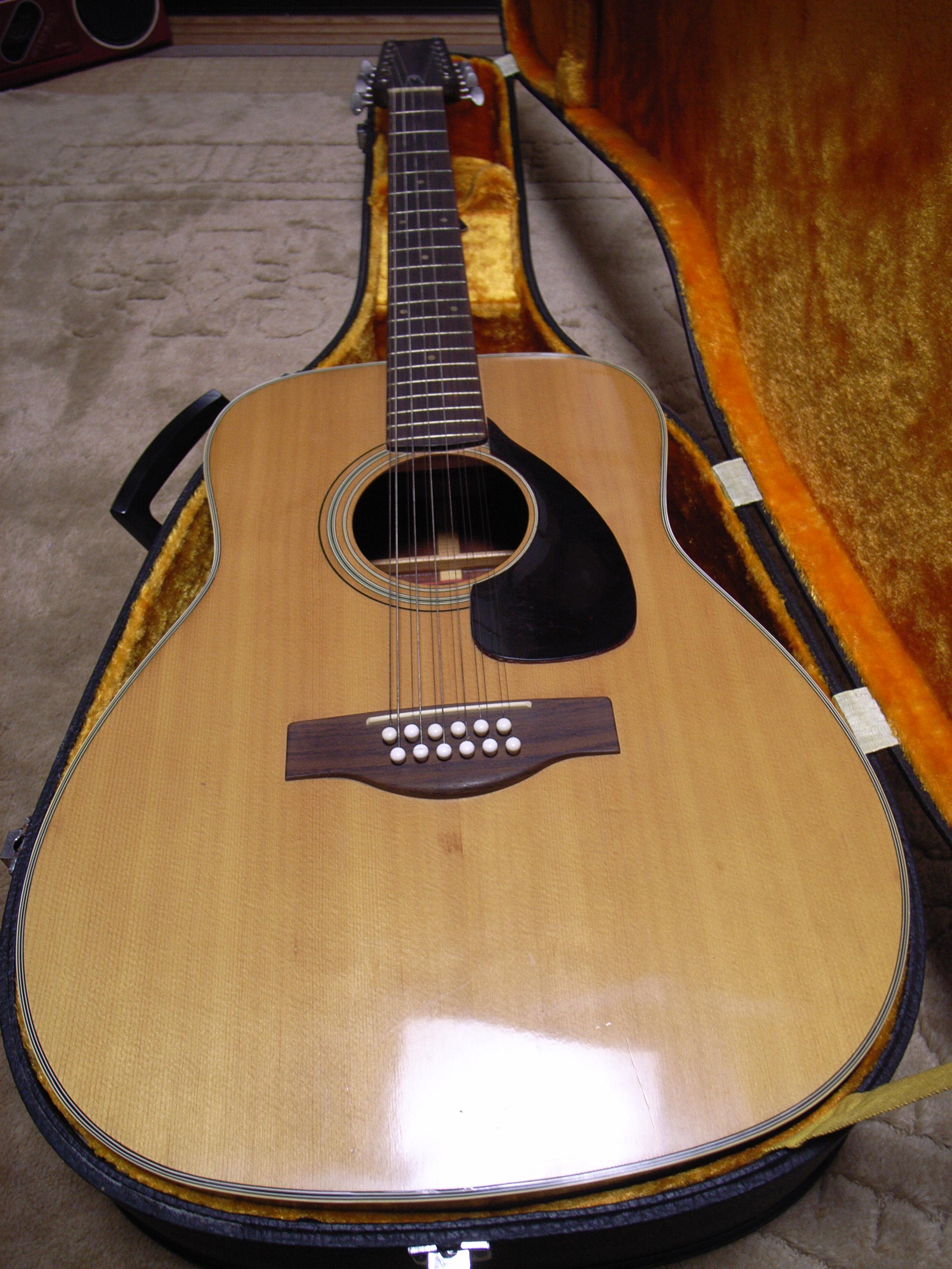 String Yamaha Fg