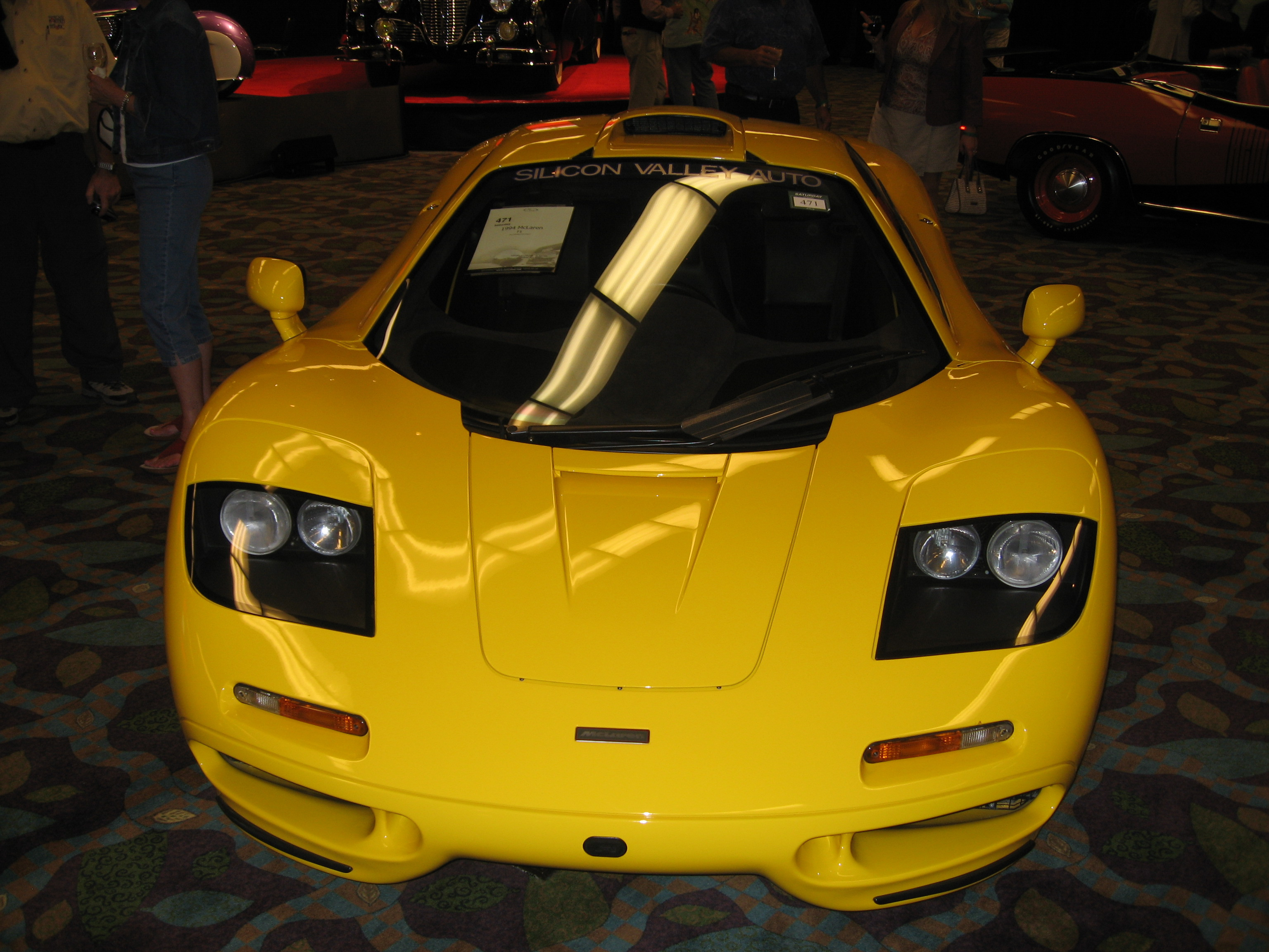 File:Yellow McLaren F1 2.jpg - Wikimedia Commons