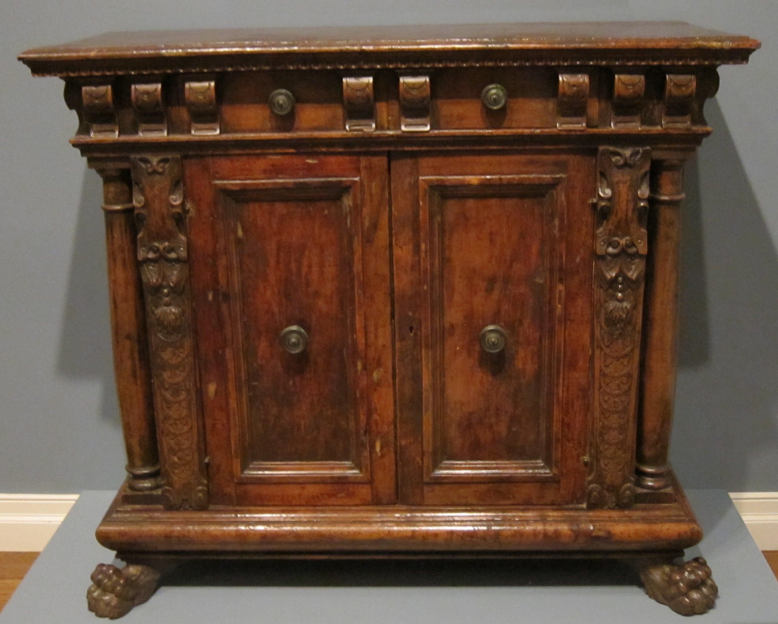 File:15th or 16th century Italian credenza, HAA.JPG - Wikimedia