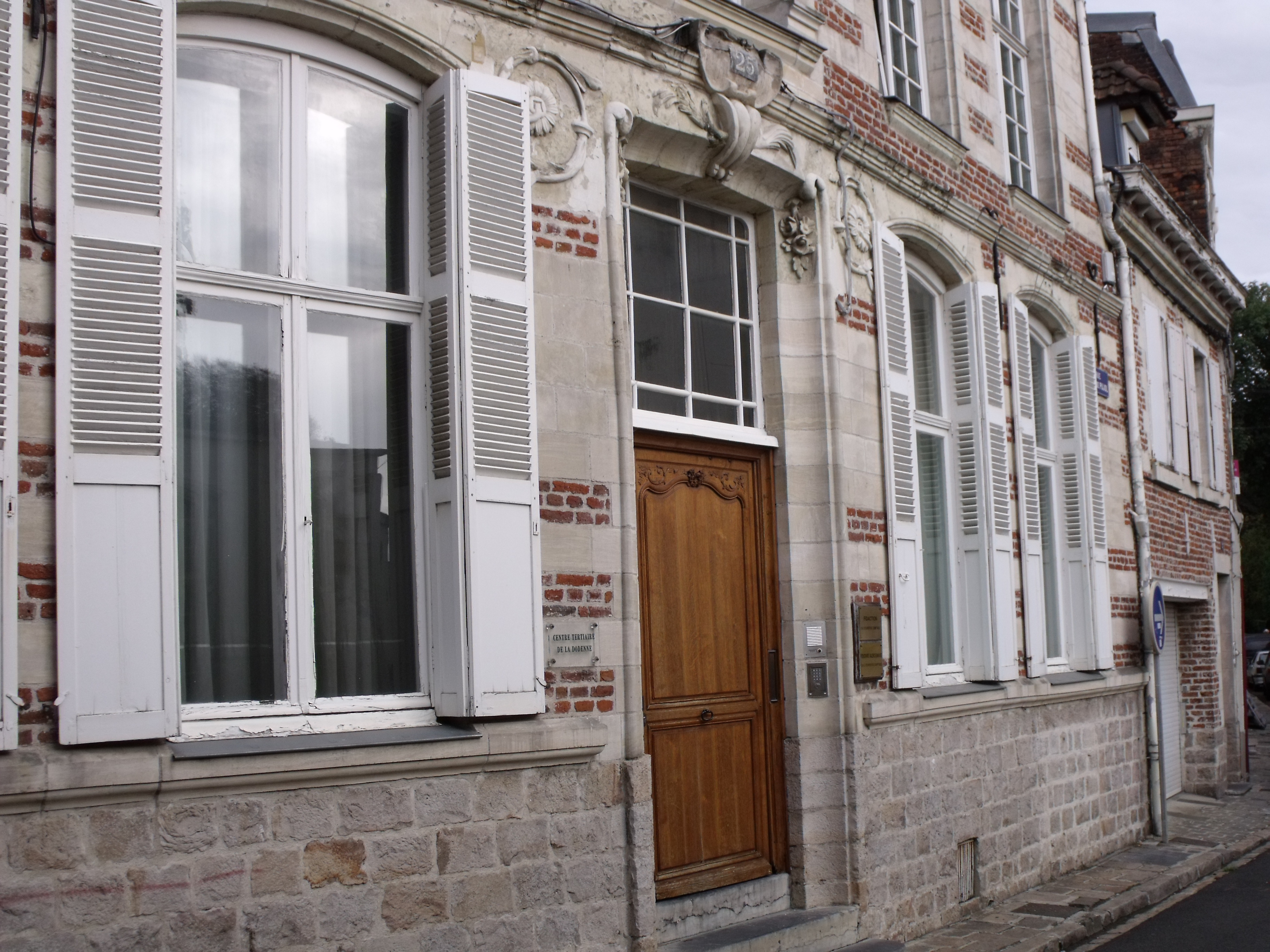 File 25 rue abel de pujol rez de chauss e valenciennes for Fenetre rez de chaussee