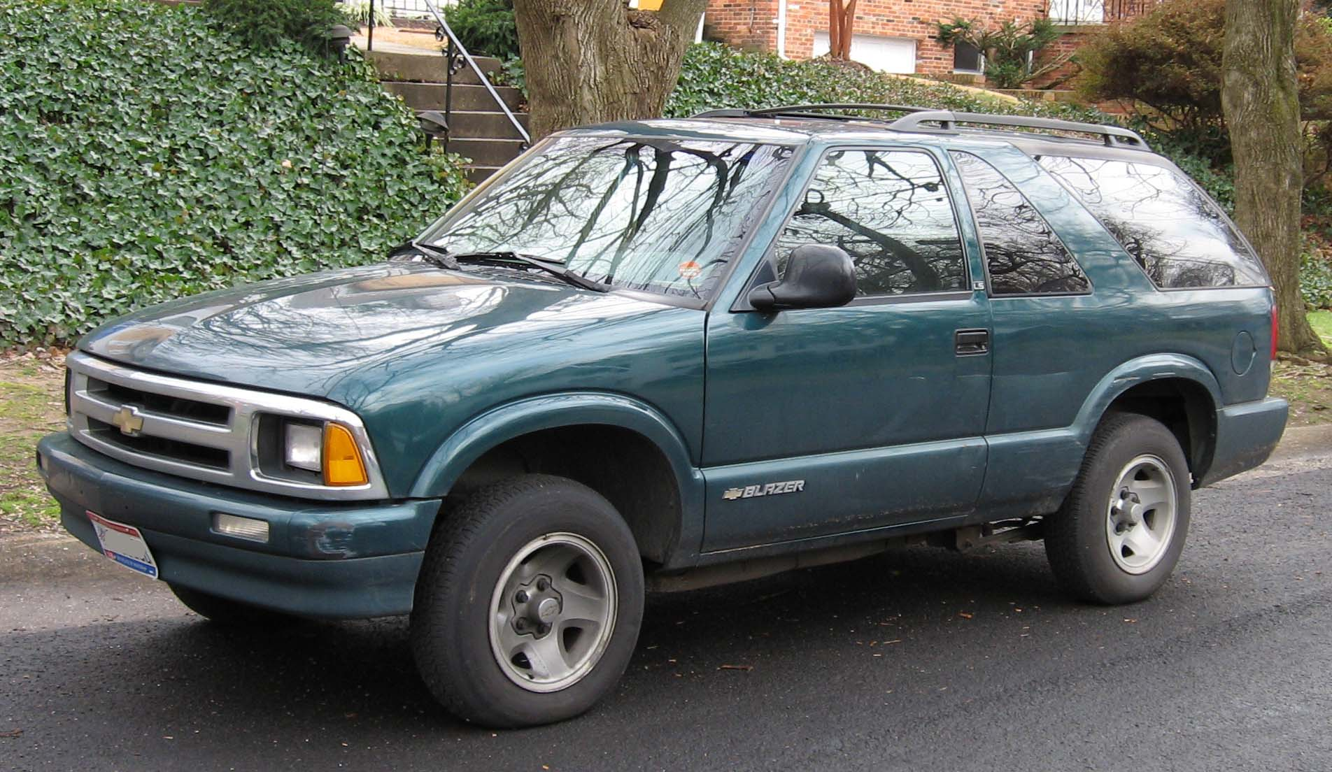 Chevy Blazer Car File2nd Chevrolet S10 2door Wikimedia Commons
