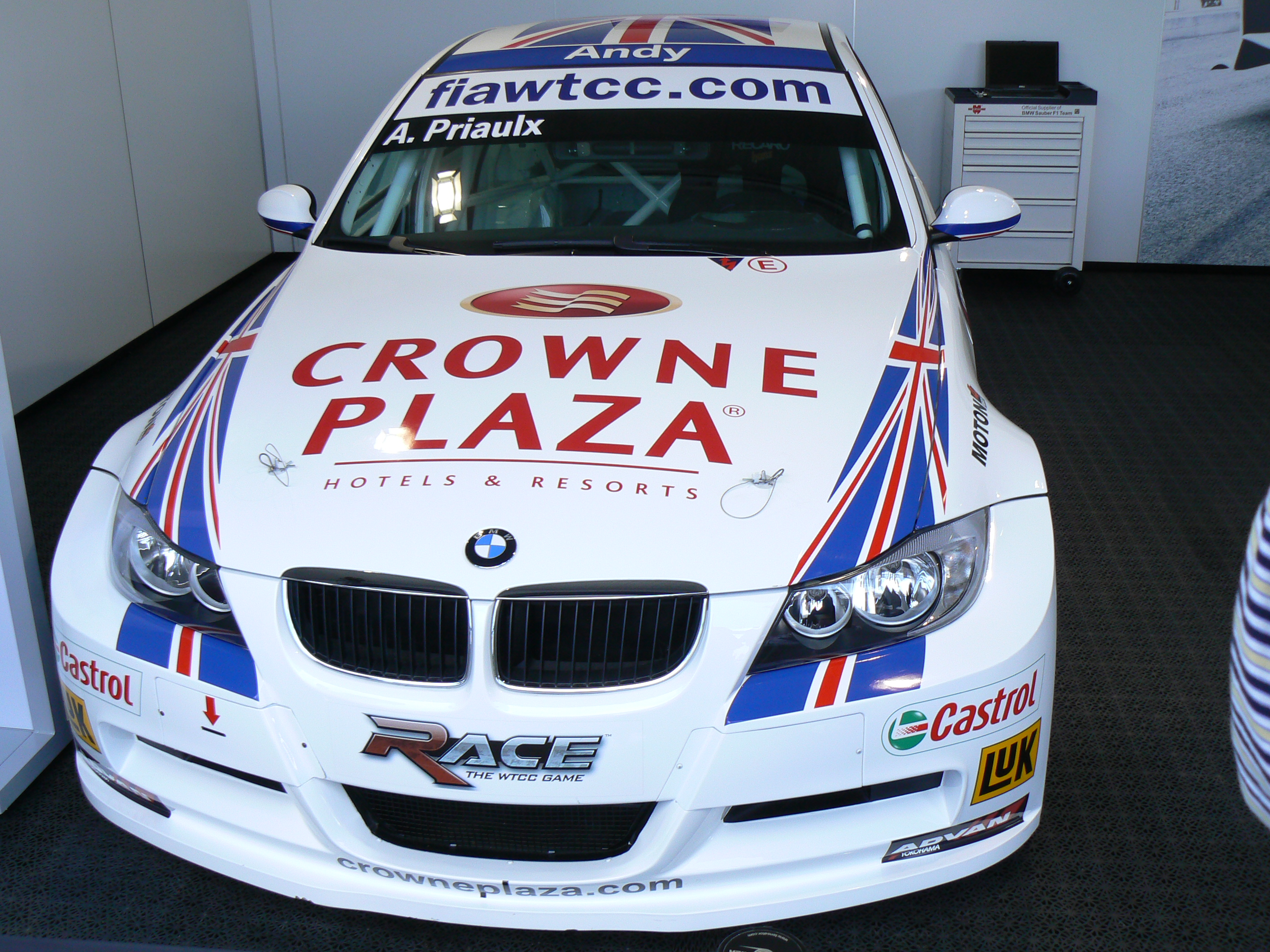 file andy priaulx bmw 320si wtcc wikipedia. Black Bedroom Furniture Sets. Home Design Ideas