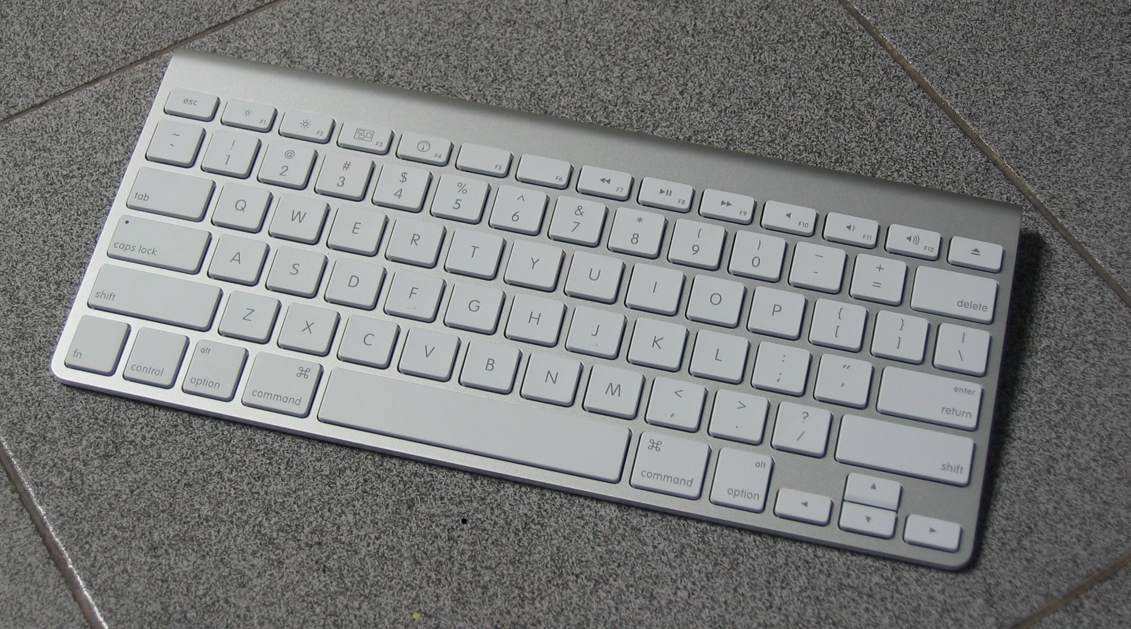 02a5f20a663 Apple Wireless Keyboard - Wikipedia