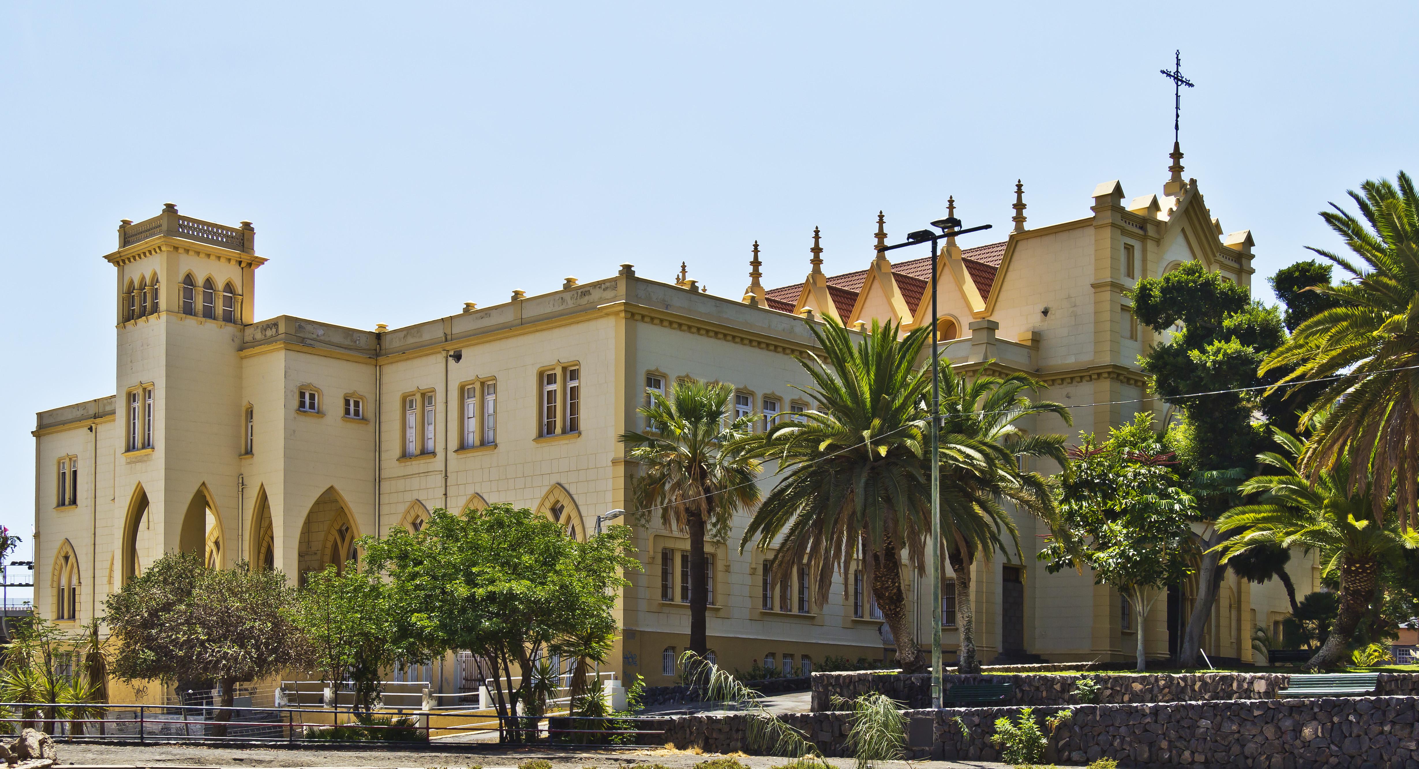 Antiguo colegio de la asunci n tenerife santa cruz de tenerife - Colegio aparejadores tenerife ...