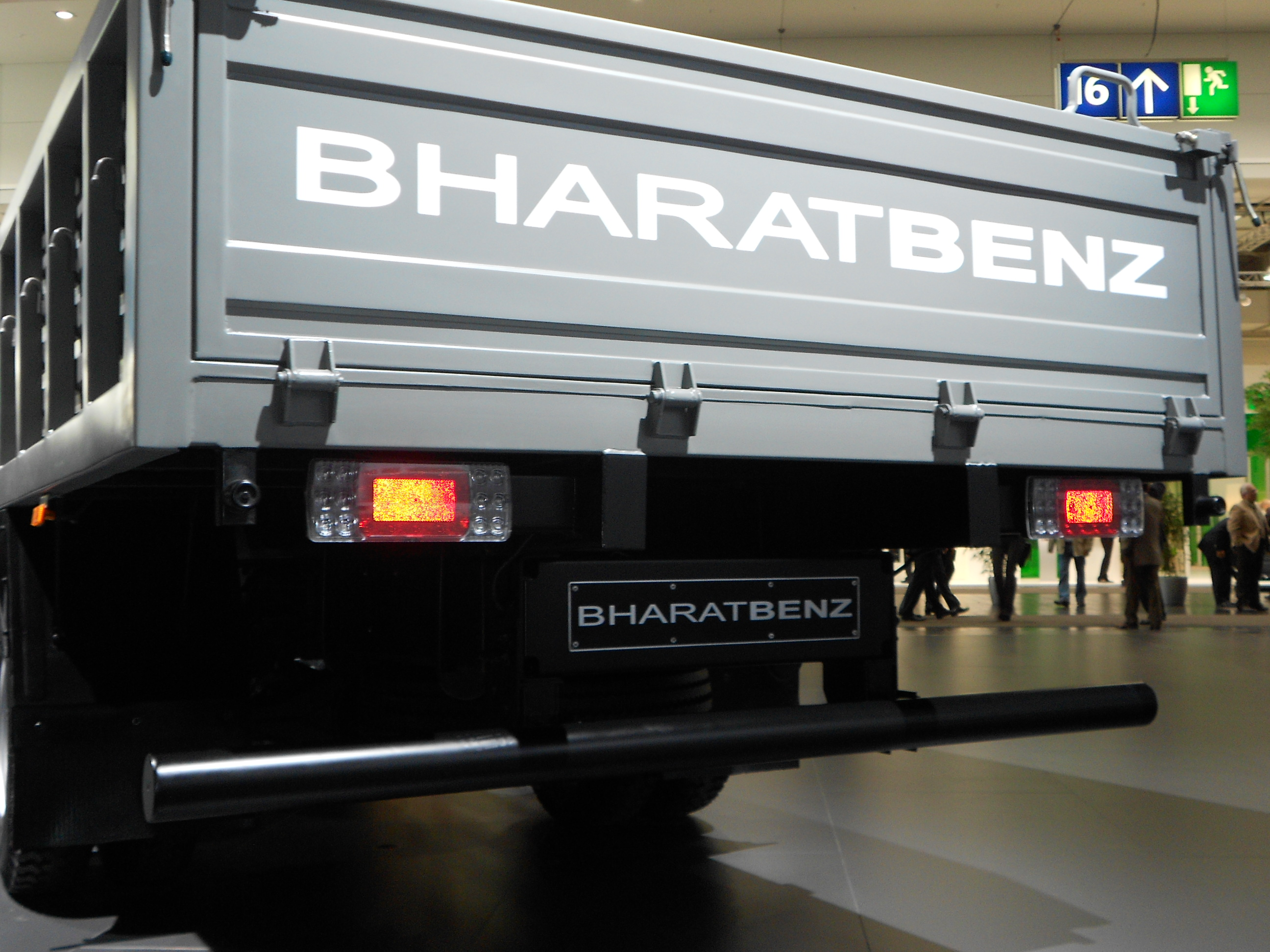 Filebharatbenz light duty truck 914 r tail 1 spielvogel 2012g filebharatbenz light duty truck 914 r tail 1 spielvogel 2012g aloadofball Image collections
