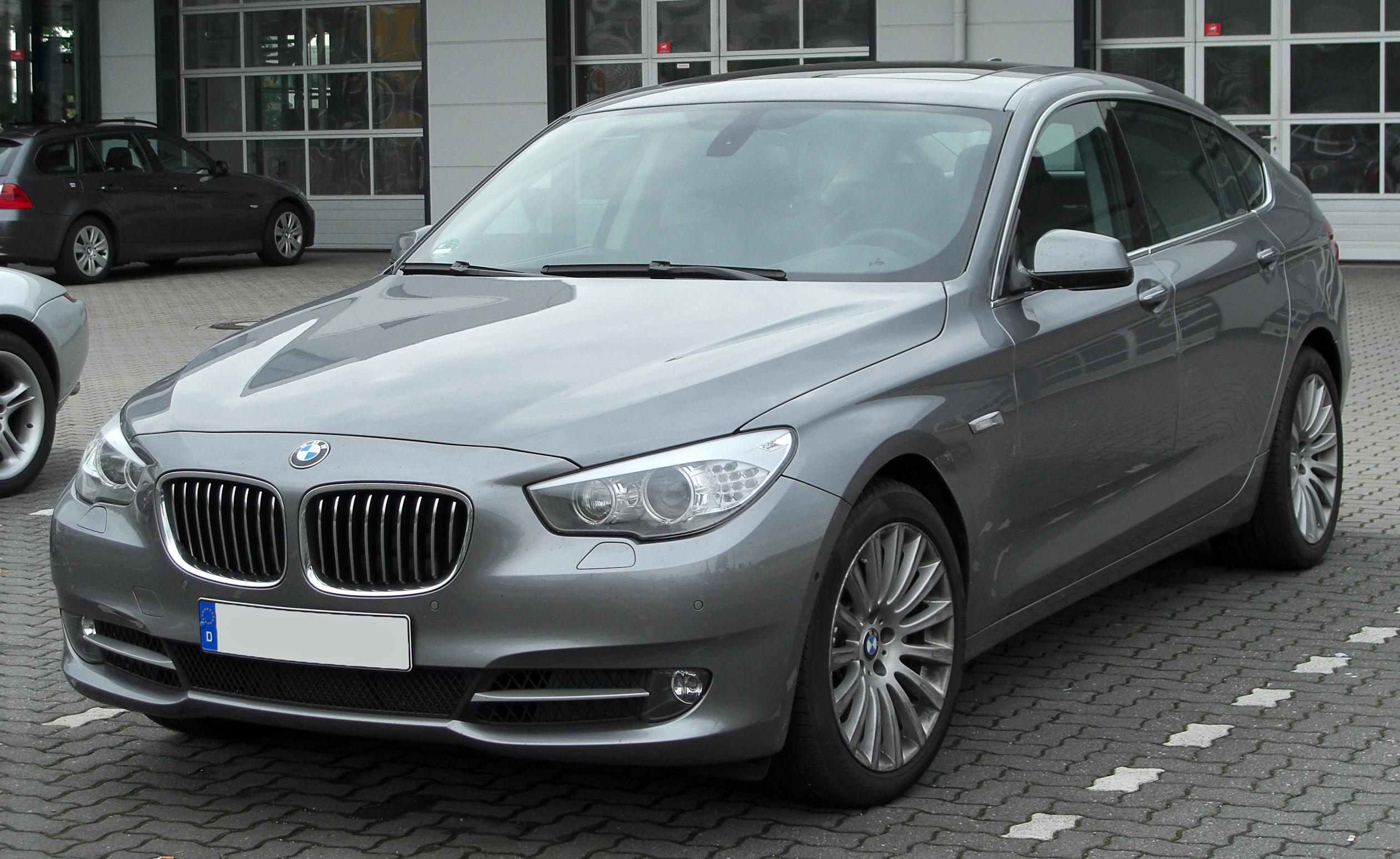 File:BMW 5er GT (F07) Front 20100508
