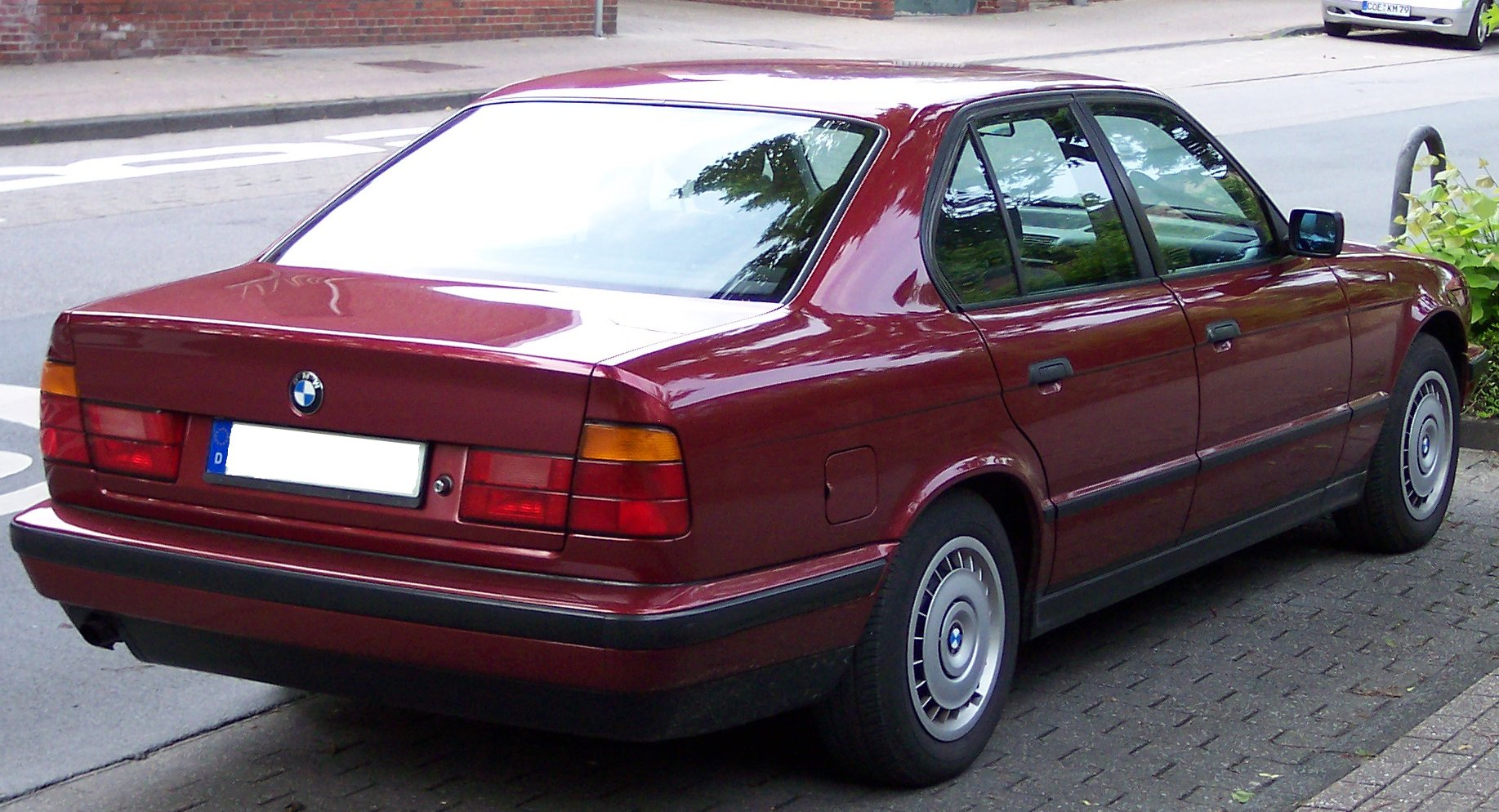File Bmw Series 5 Old Model Red Hr Jpg Wikimedia Commons