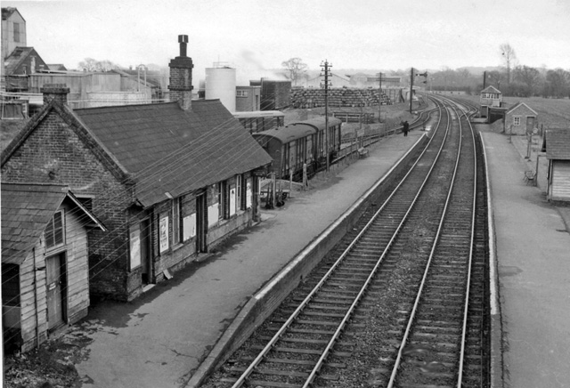Bailey_Gate_Station_-_geograph.org.uk_-_