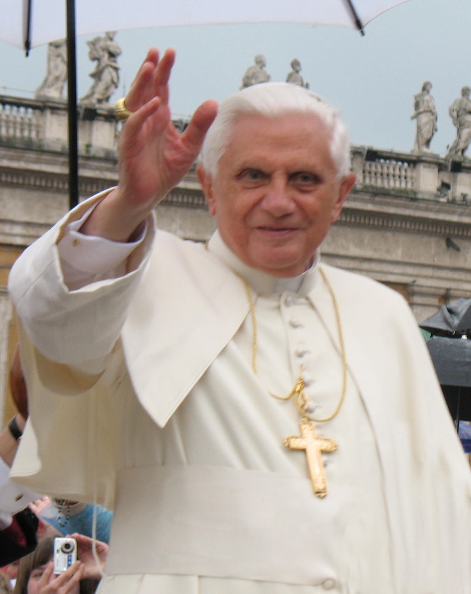 English: Pope Benedict XVI during general audition