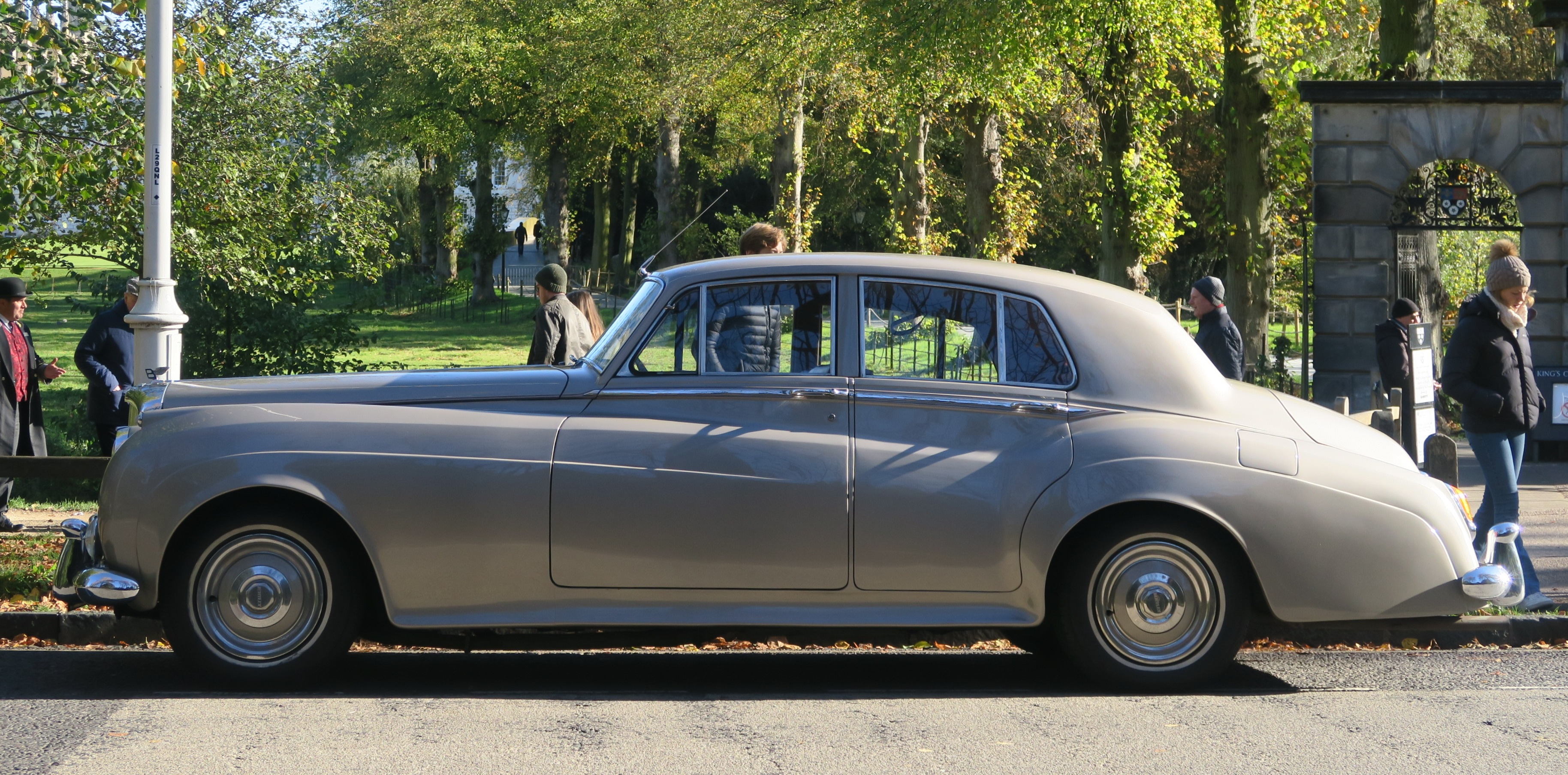 File Bentley S2 In Profile Manufactured 1960 Registered Uk July1989