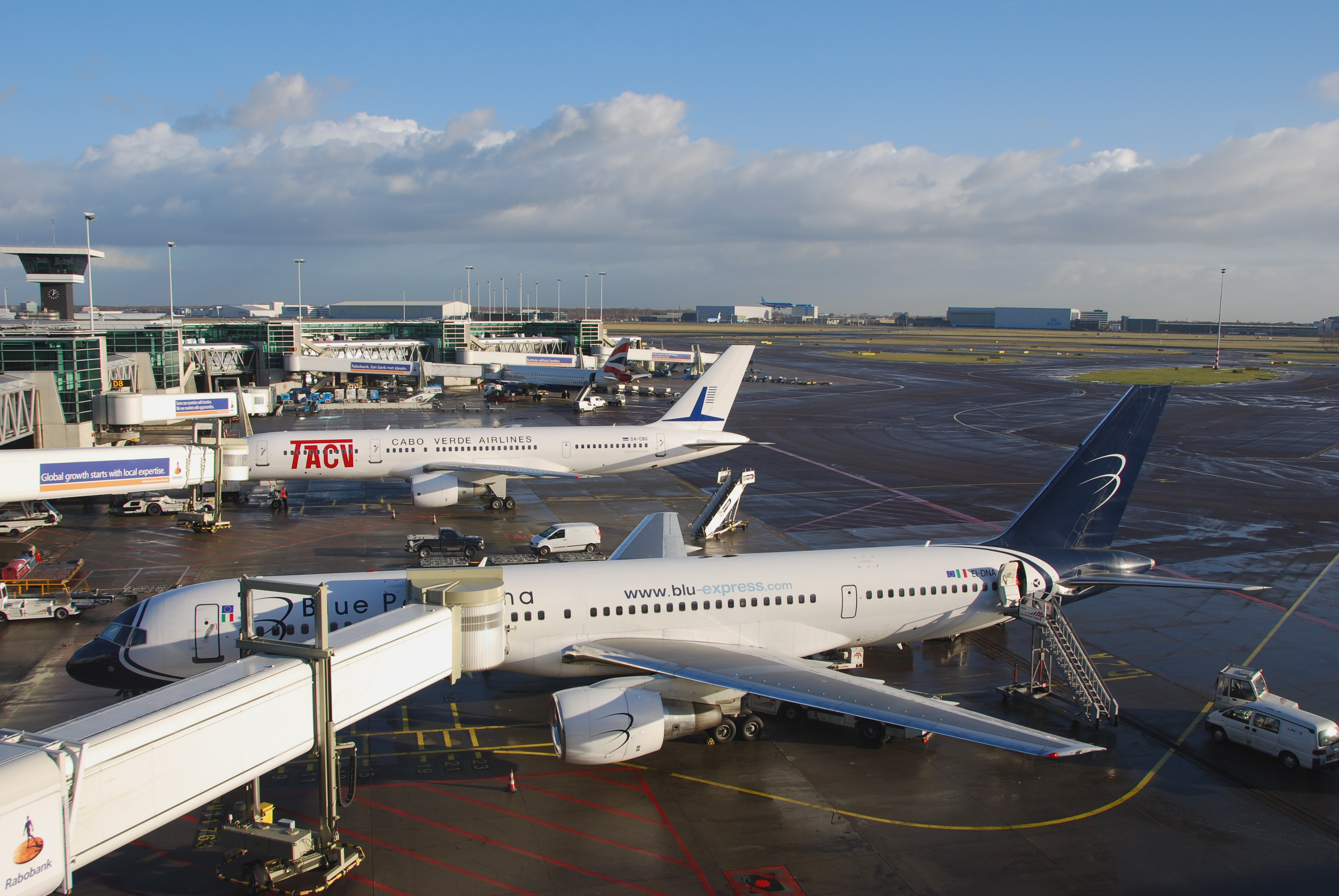 Blue apron growth - File Blue Panorama Airlines Boeing 757 231 Ei Dna Ams