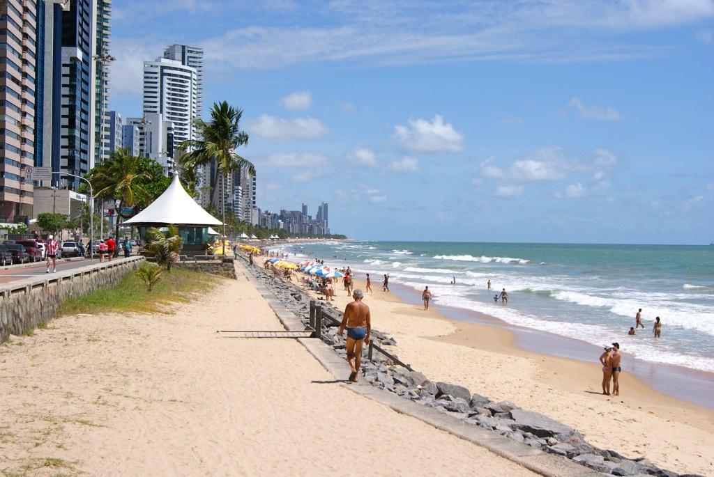 cerca de madeira para jardim em recife : cerca de madeira para jardim em recife:Boa Viagem Beach Recife Brazil
