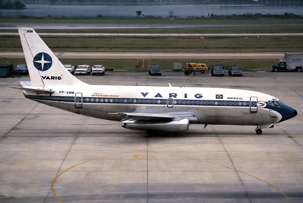 Boeing 737-241-Adv, Varig AN0323729.jpg