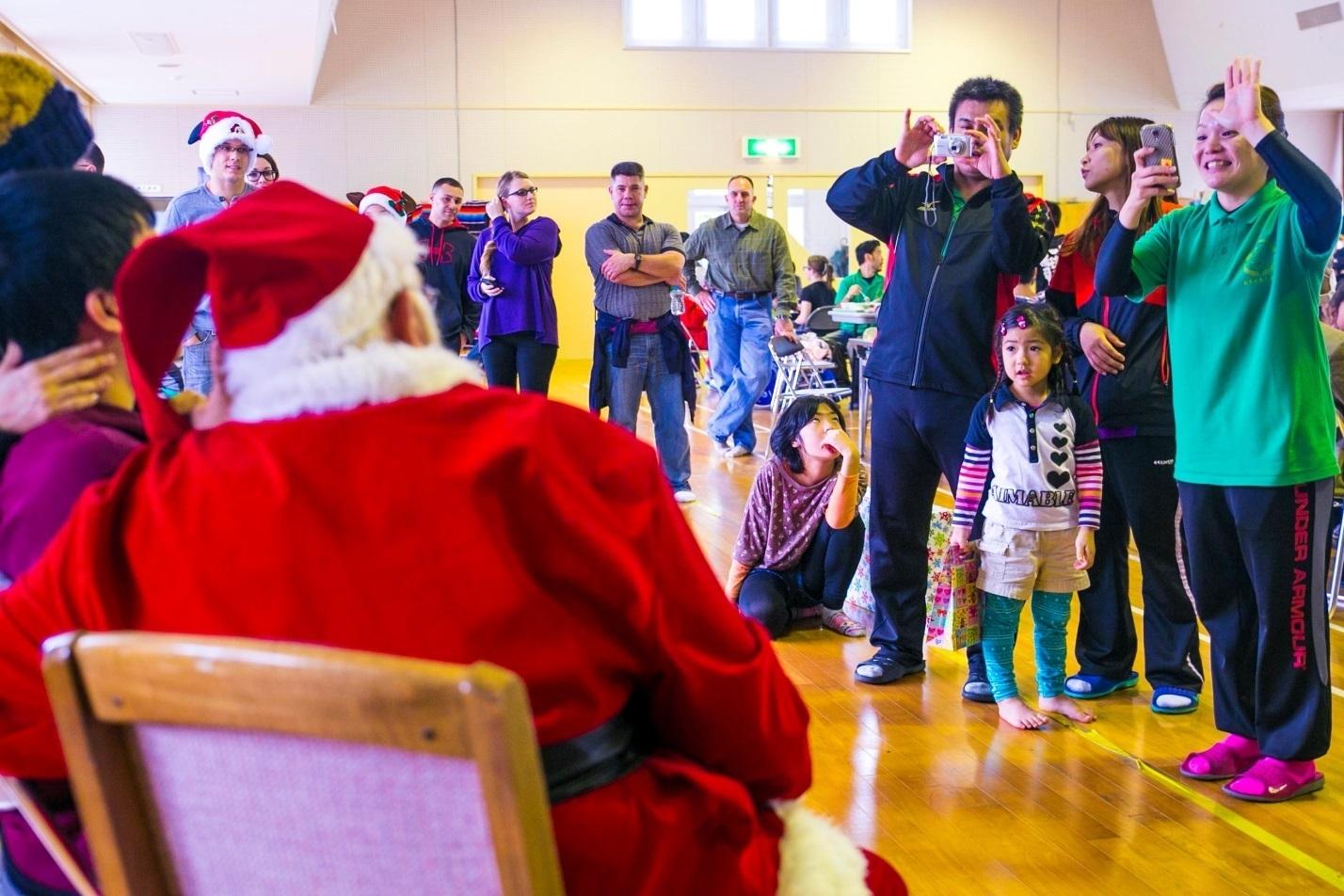 Jp Students Christmas Caroling On Home Care