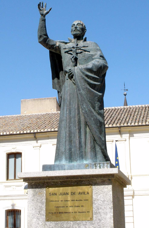 Statue av San Juan de Ávila i Ciudad Real