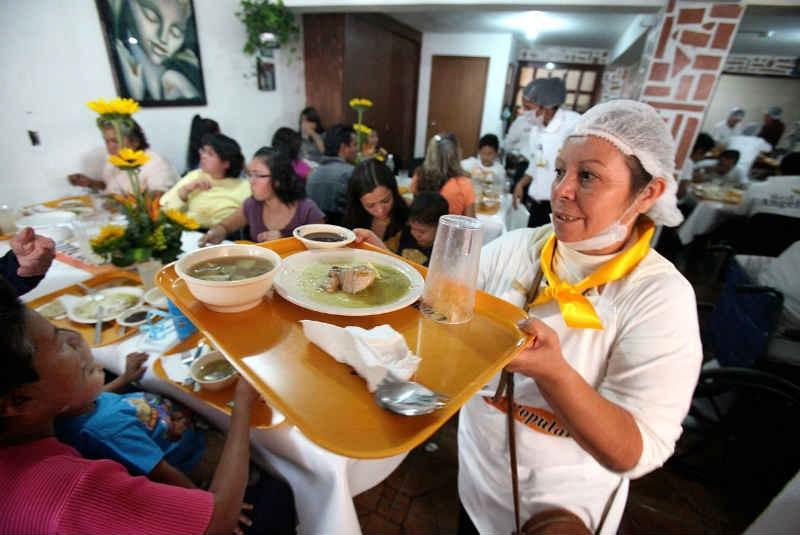 File comedores comunitarios en la ciudad de m for Comedores en mexico