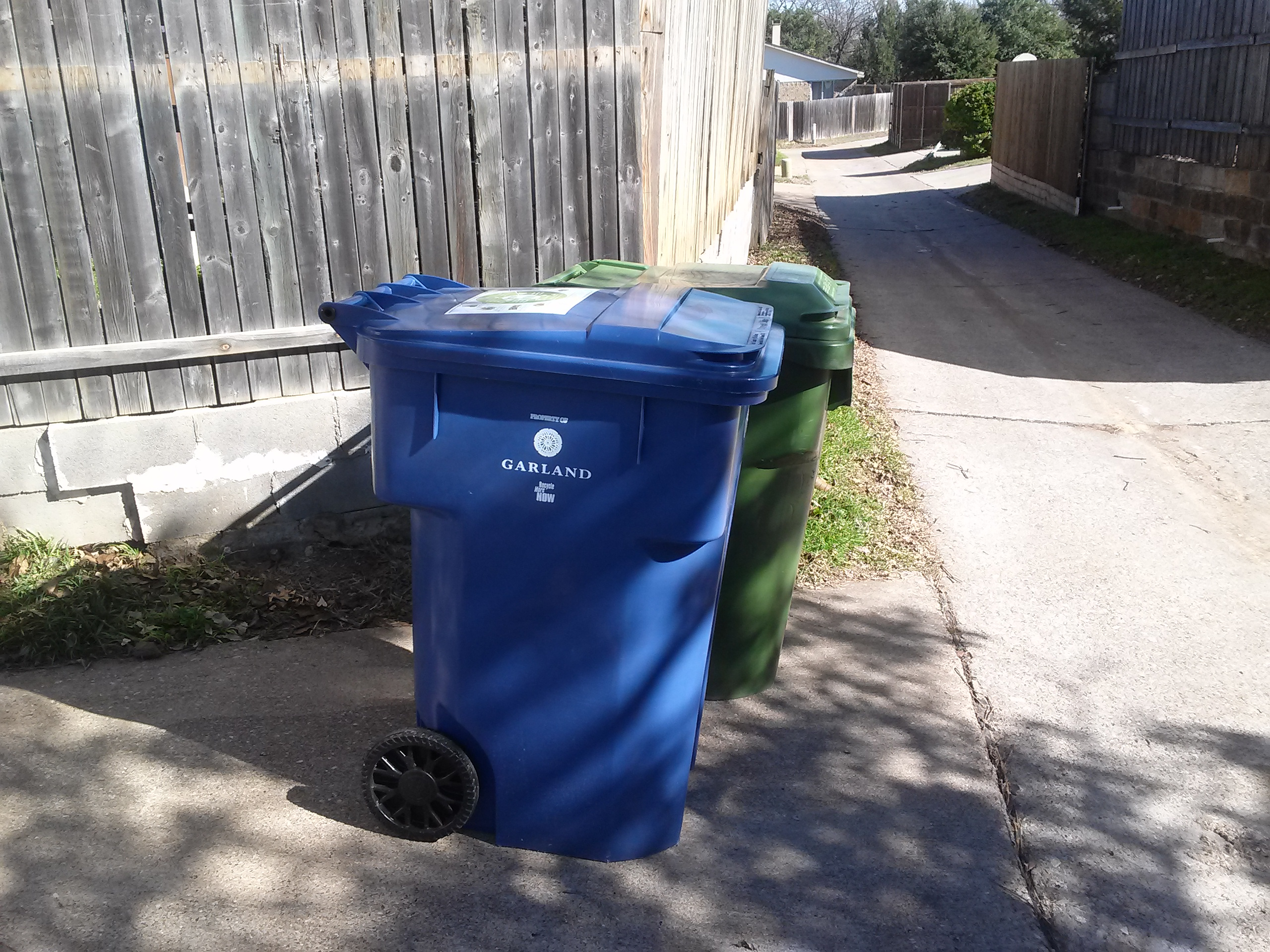 File contenedores de basura y reciclaje garland wikimedia commons - Contenedores de basura para reciclaje ...