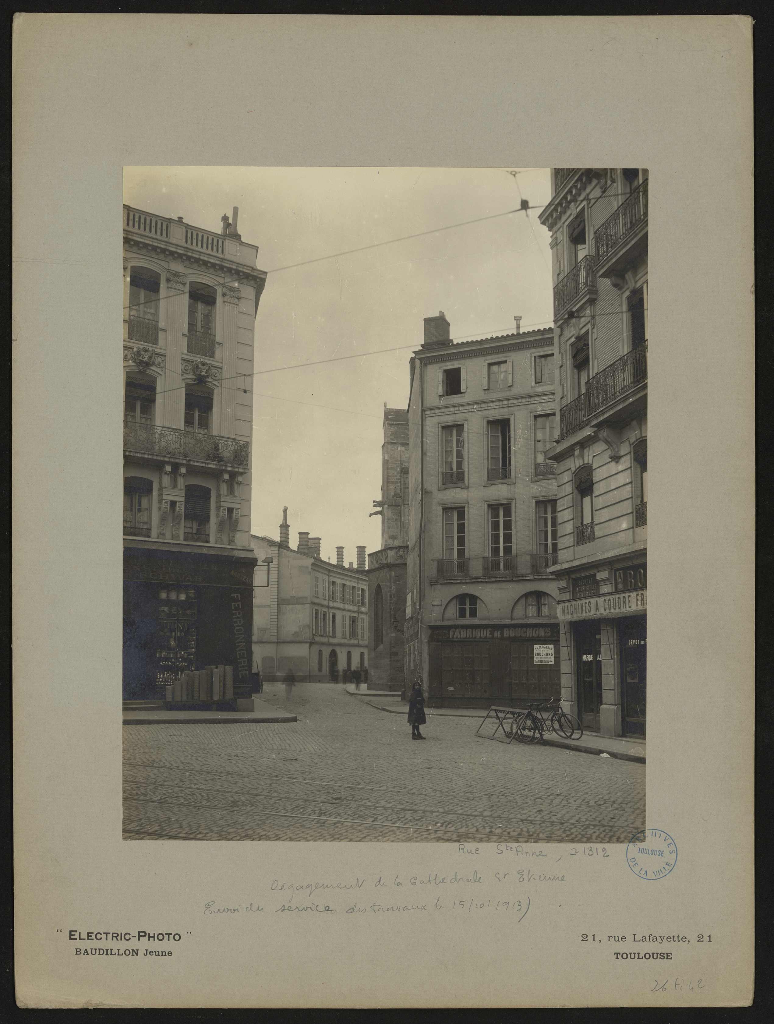29 Rue De La Ferronnerie file:dégagement de la cathédrale saint-Étienne. rue sainte