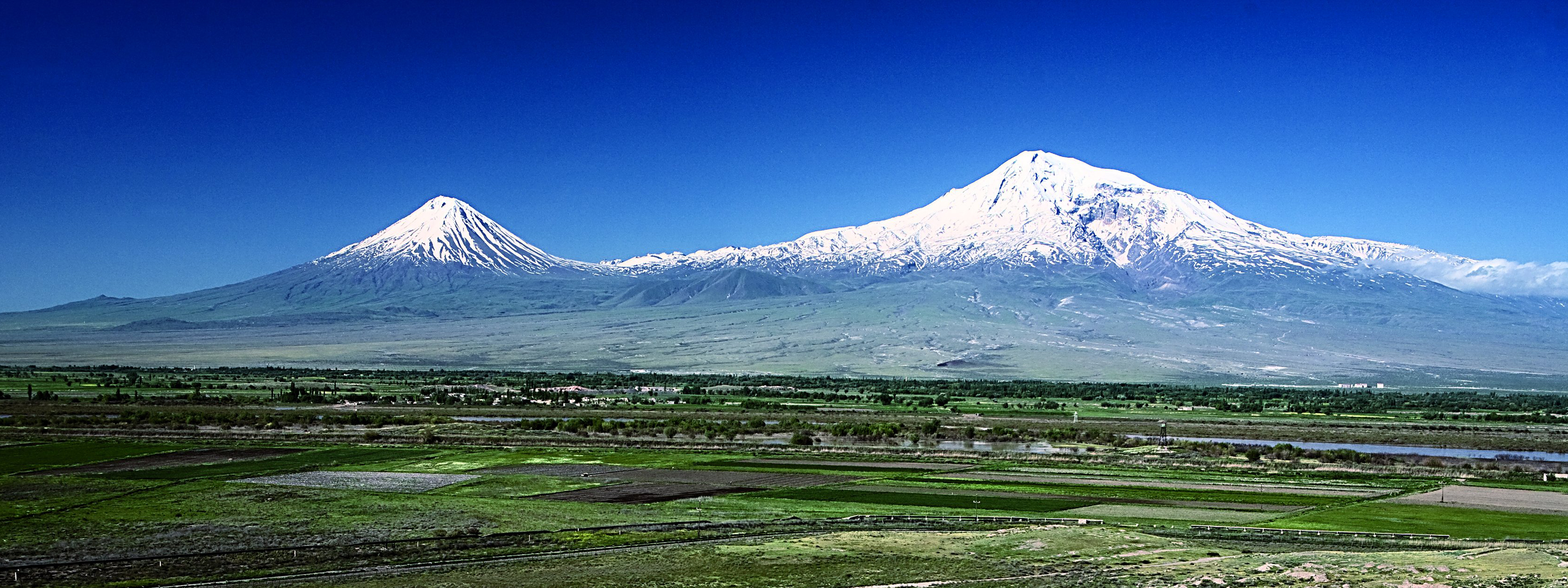ararat dating Searches for noah's ark have been made from of noah is embedded in ice high atop mount ararat international reported carbon dating suggests the wood is.