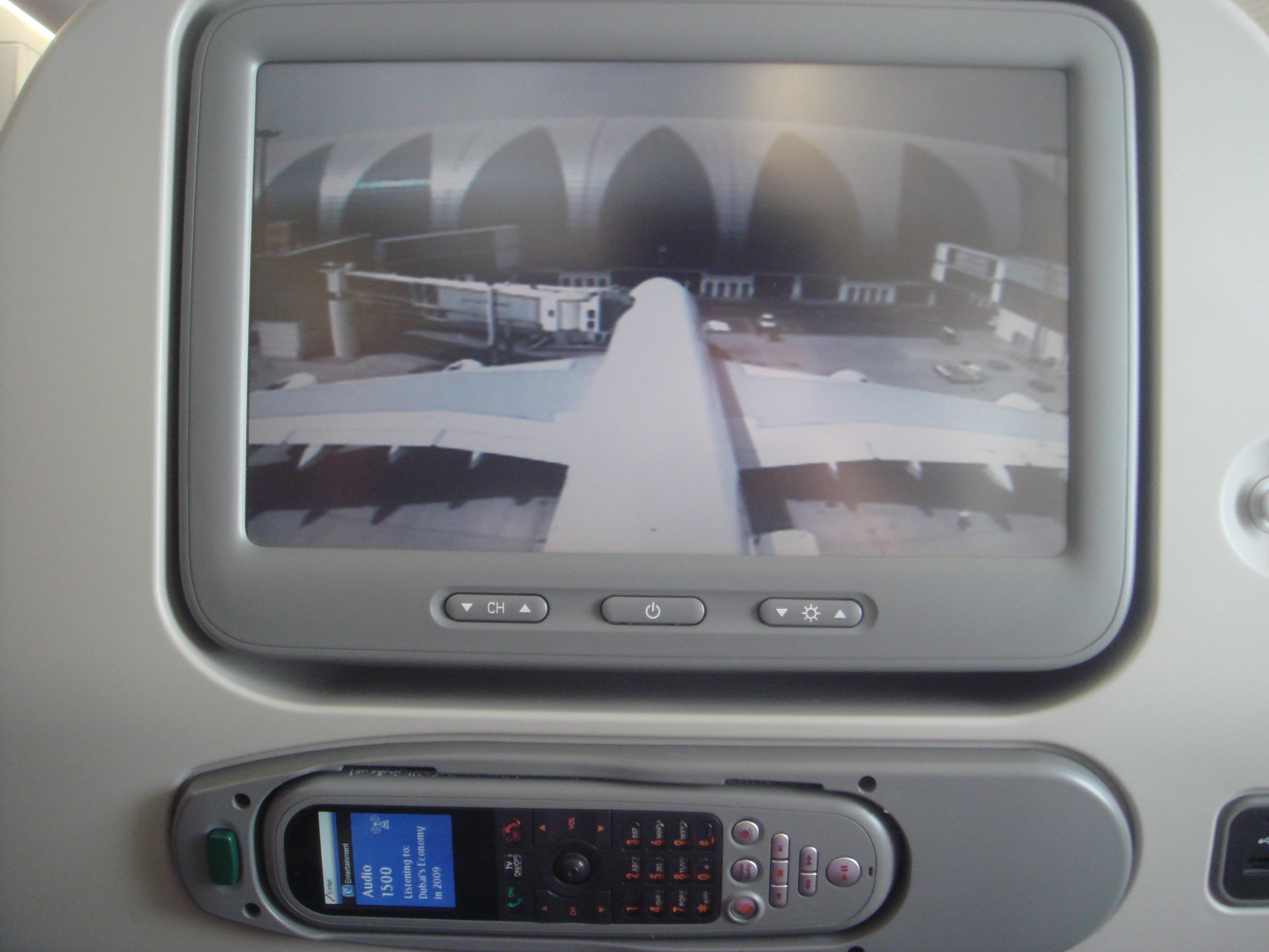 File Emirates A380 Seat Back Screen With Tail Camera Jpg