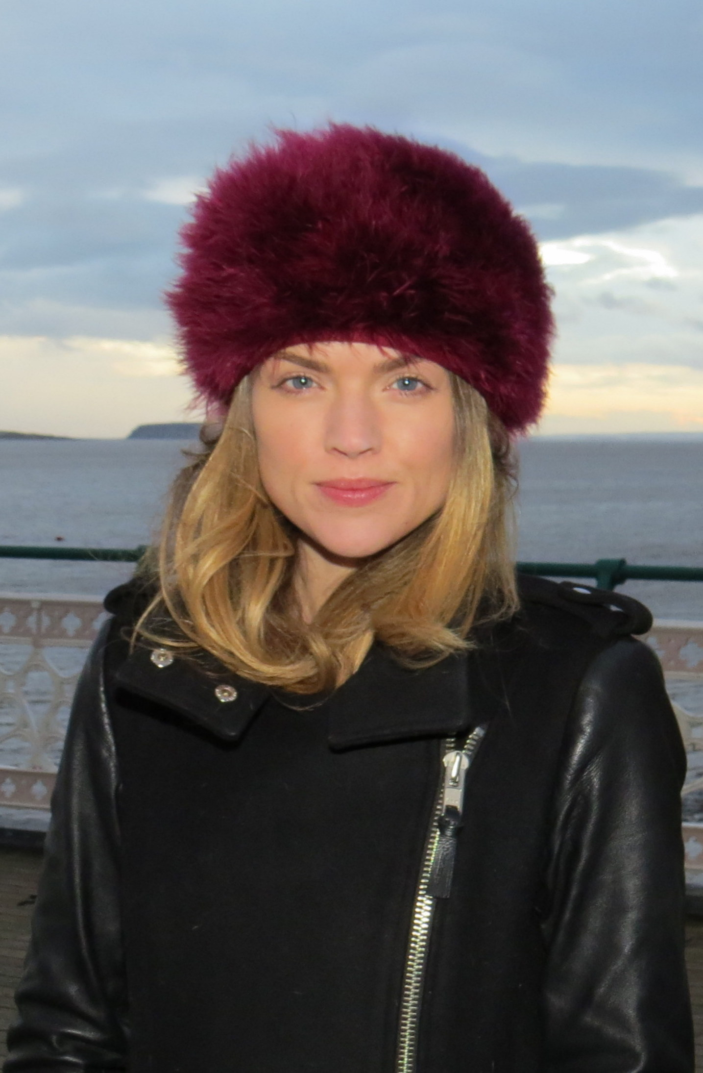 The 32-year old daughter of father (?) and mother(?) Erin Richards in 2018 photo. Erin Richards earned a  million dollar salary - leaving the net worth at 3 million in 2018