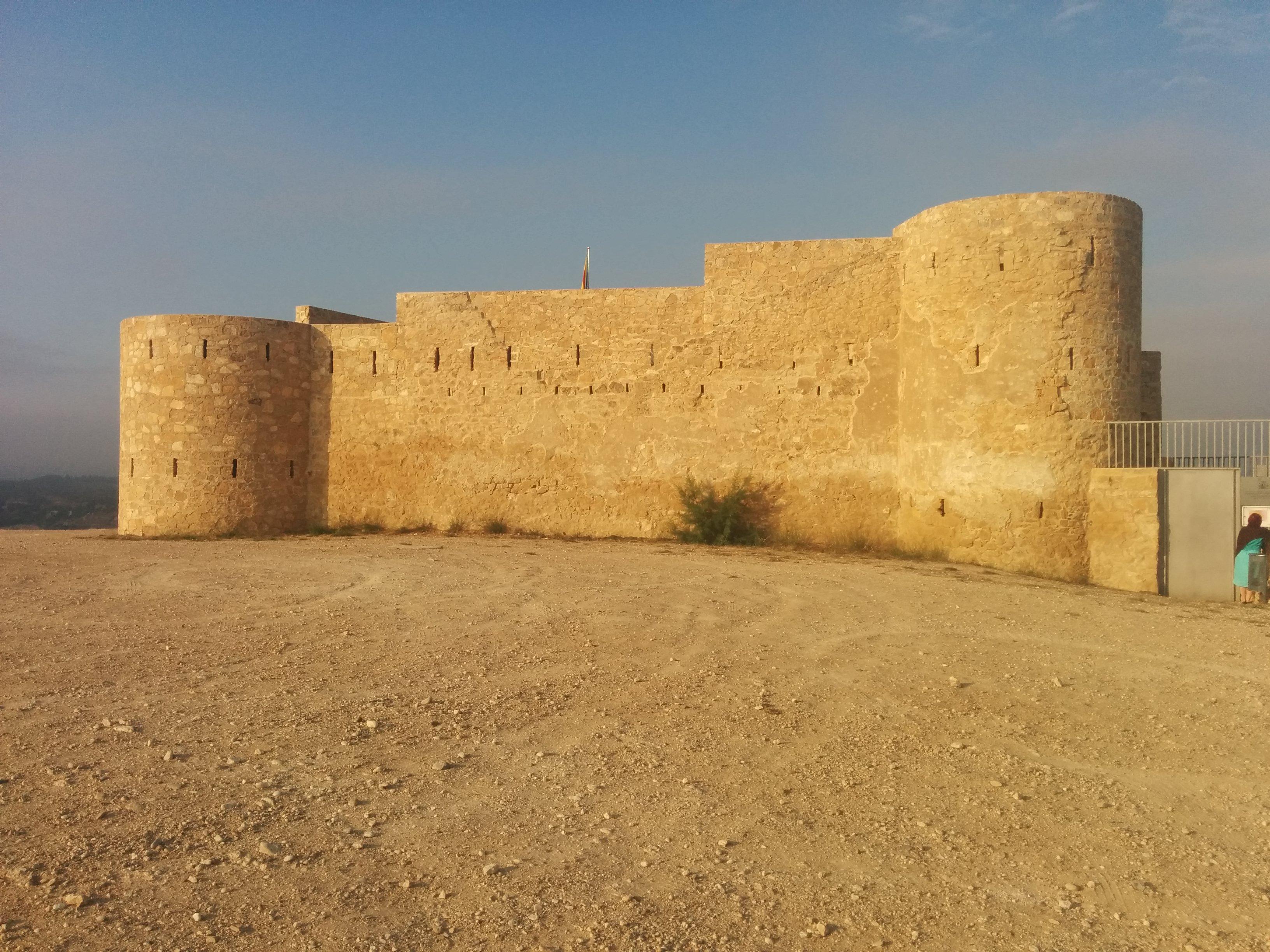 fileflix castell or flix castle 29 sept 2015jpg
