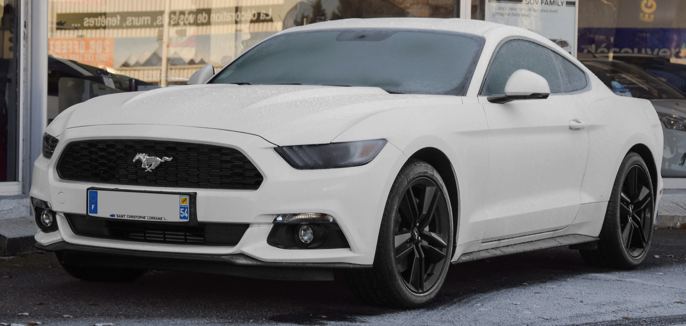 FileFord Mustang White 2017
