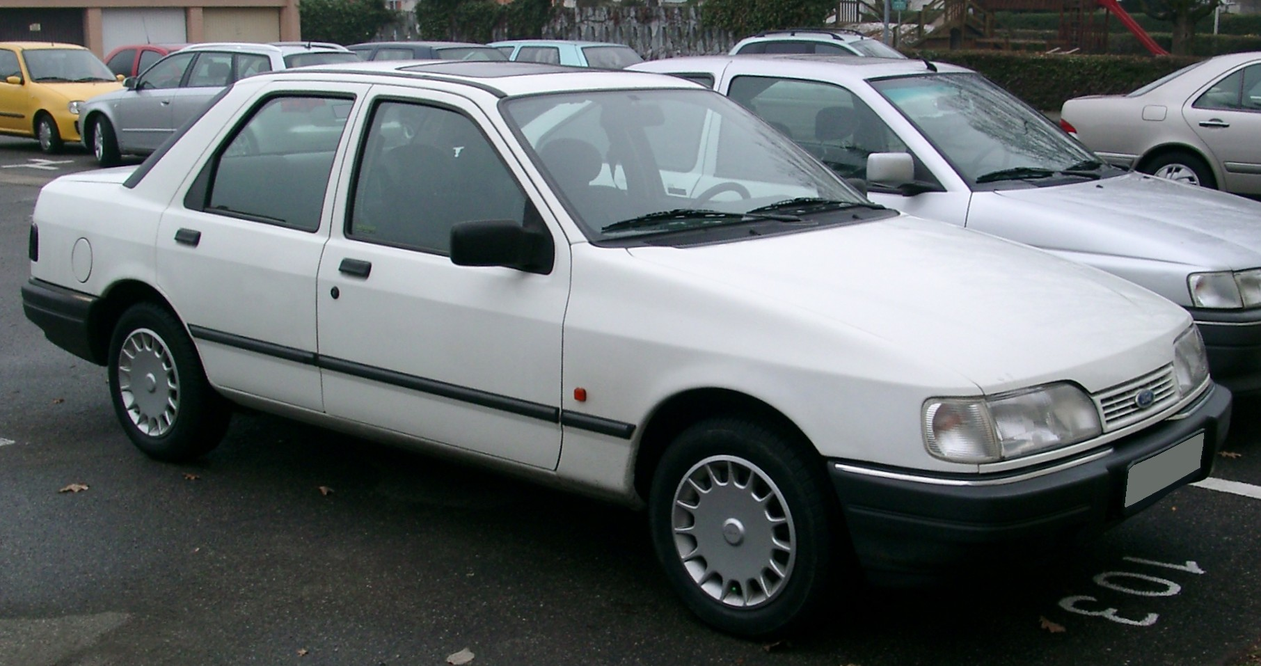 Ford Car Parts File:Ford Sierra front 20071228.jpg - Wikimedia Commons