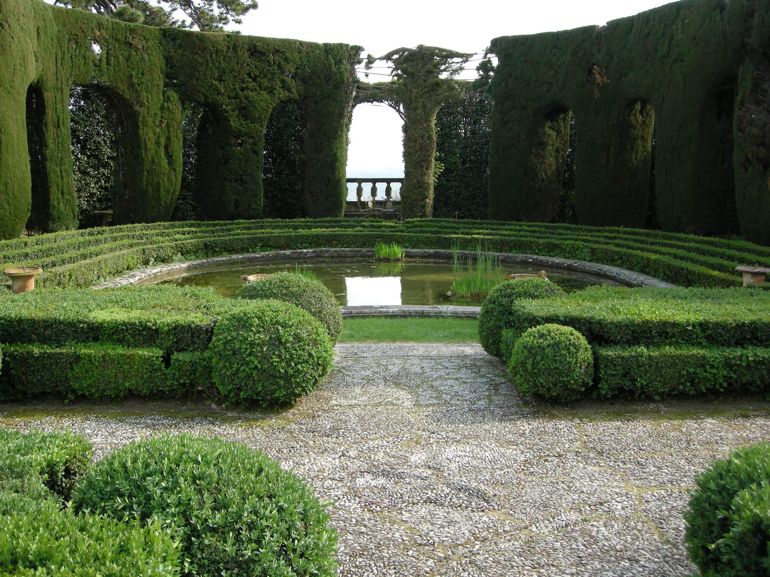 File giardino di villa gamberaia parterre d 39 acqua emiciclo 01 jpg wikimedia commons - Giardino d acqua ...