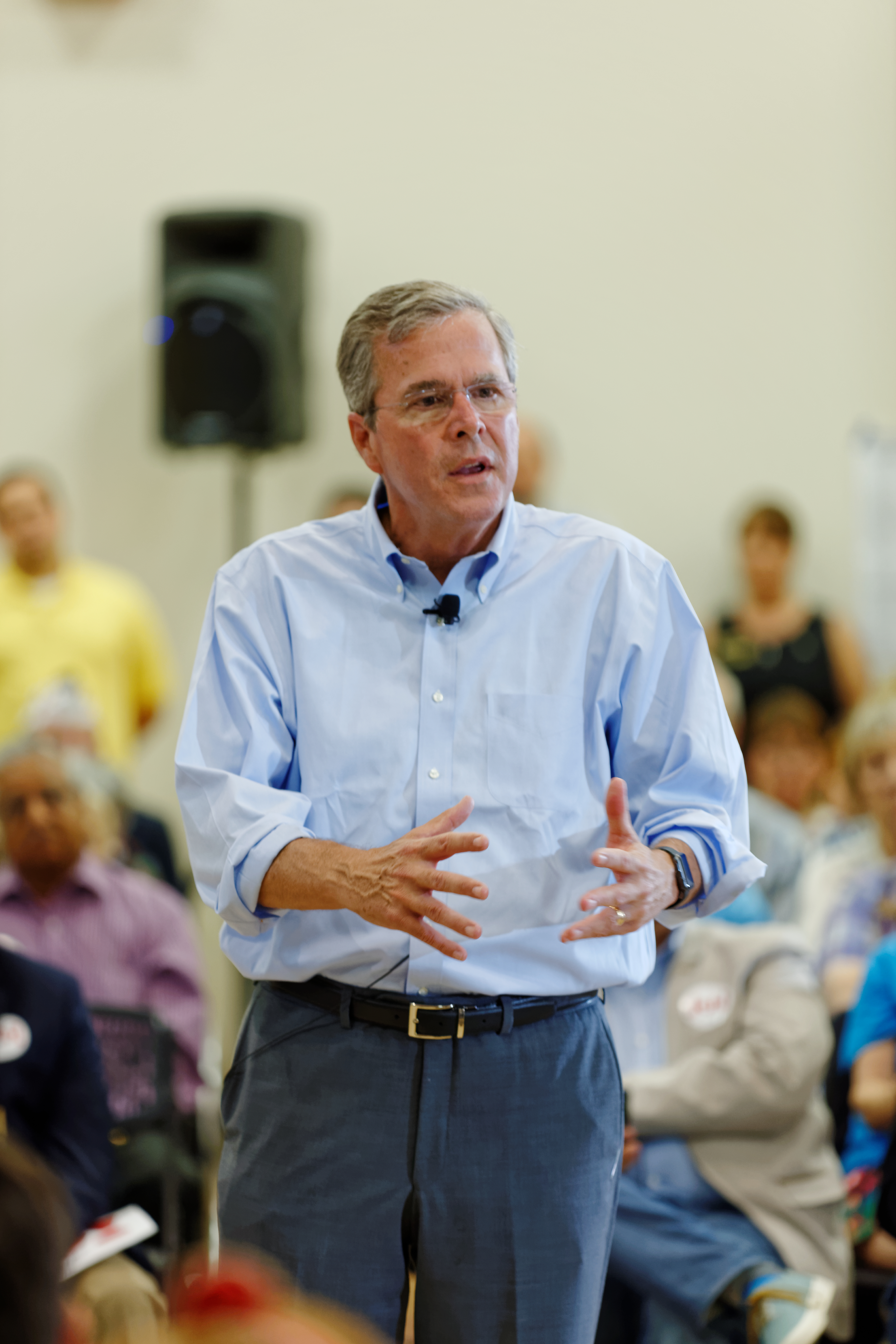 Governor of Florida Jeb Bush at TurboCam, Barrington, New Hampshire on August 21th by Michael Vadon.jpg English: COPYRIGHT IS CREATIVE COMMONS