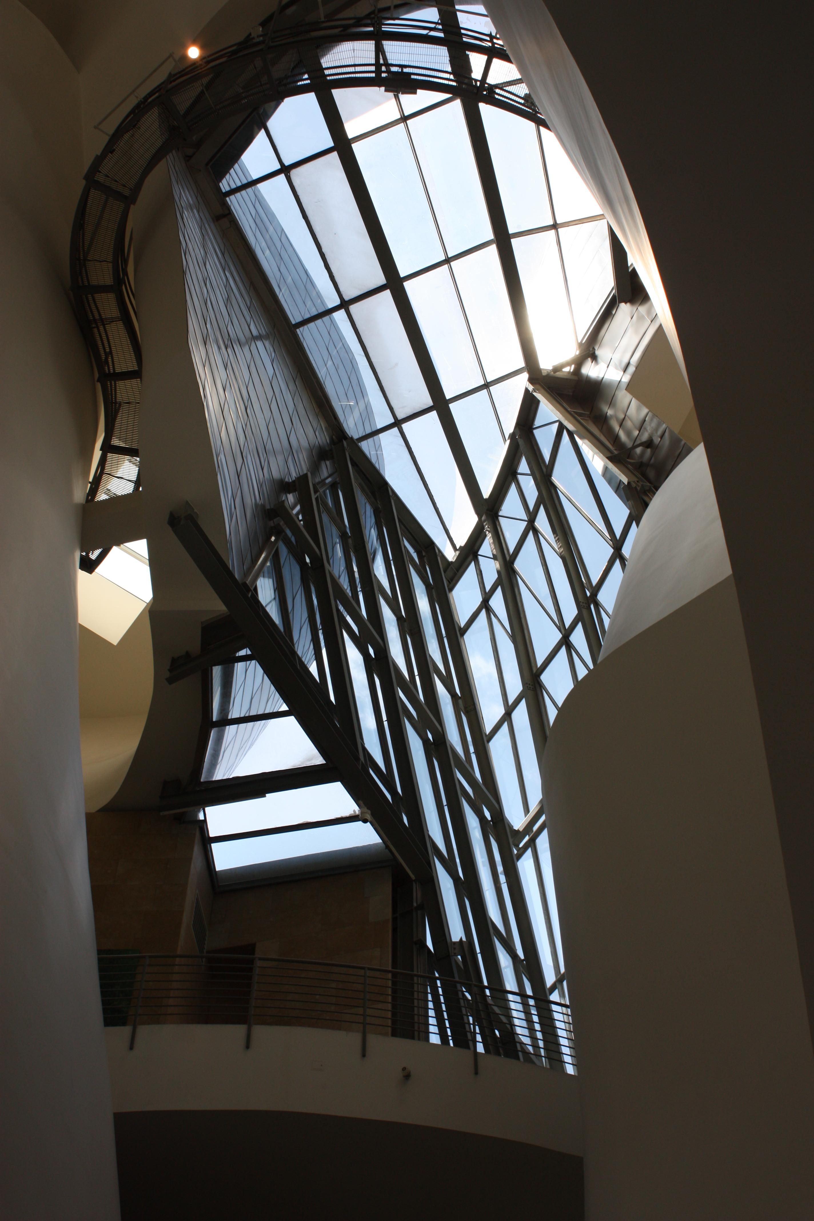 File Guggenheim Museum Interior Bilbao July 2010 05 Jpg Wikimedia Commons