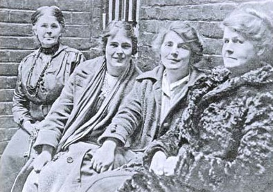 File:Hettie Wheeldon, Winnie Mason and Alice Wheeldon.jpg