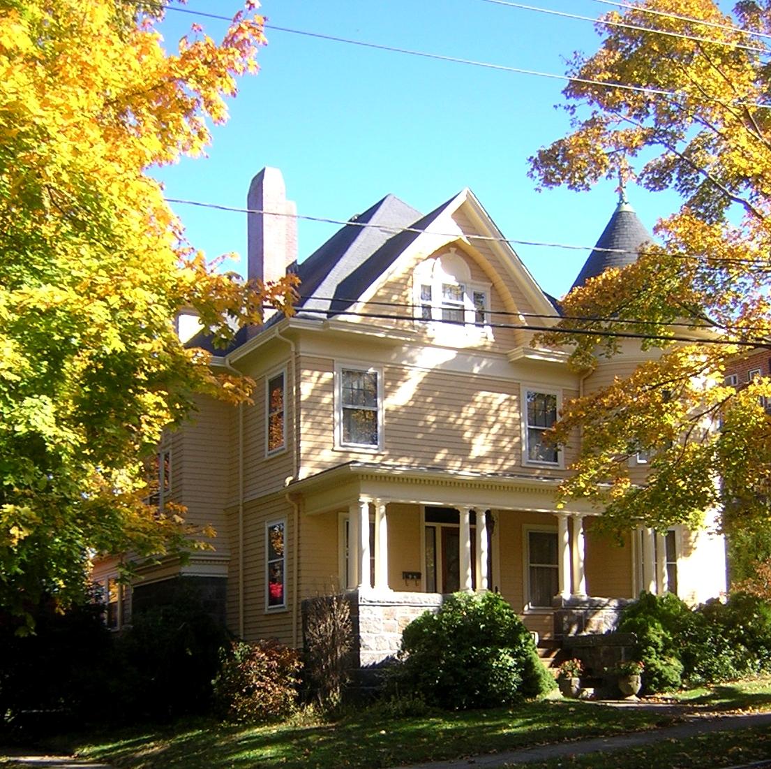 house at 94 grandview avenue wikipedia. Black Bedroom Furniture Sets. Home Design Ideas