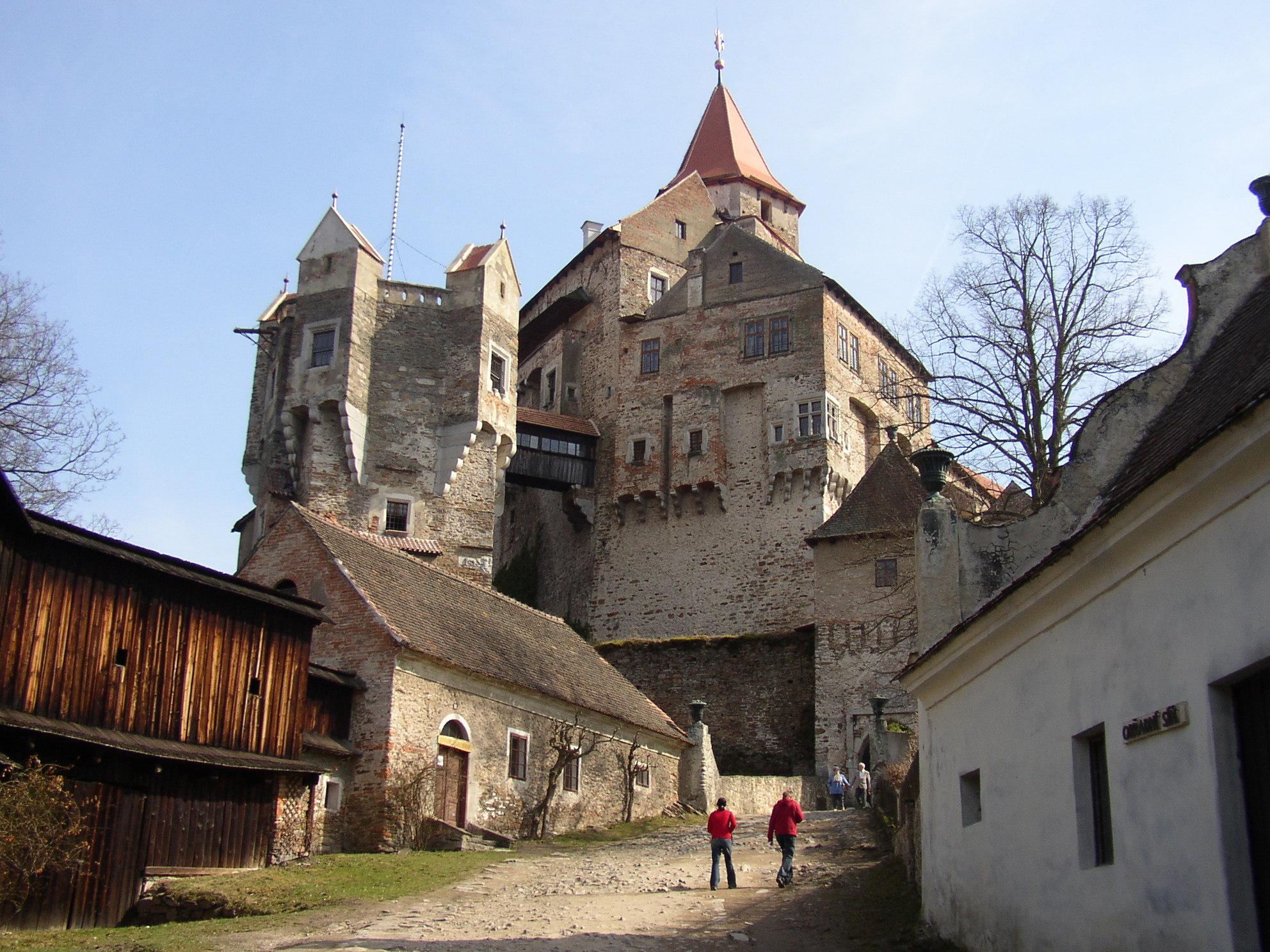 château Martin 17 Novembre trouvé par Martine Hrad_Pern%C5%A1tejn