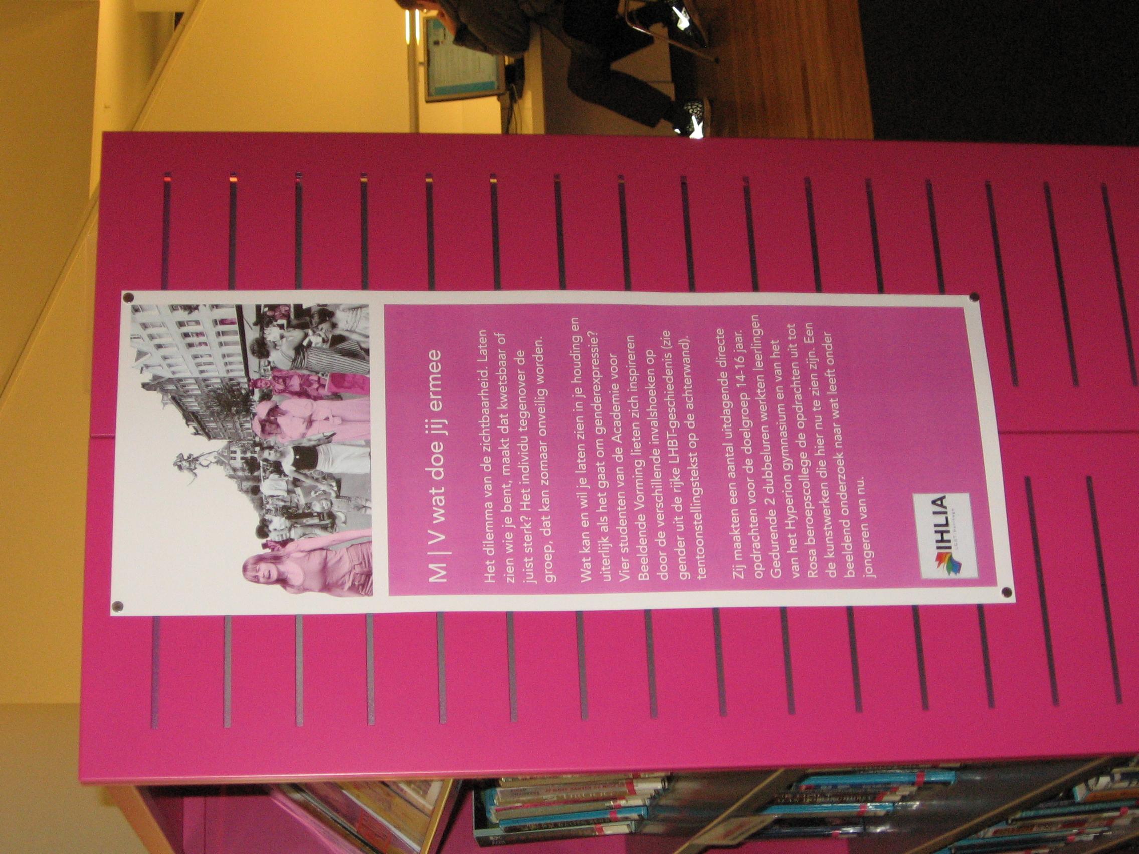 Fileihlia Lgbt Heritage Roze Kast Affiche Mv Wat Doe Je Ermee